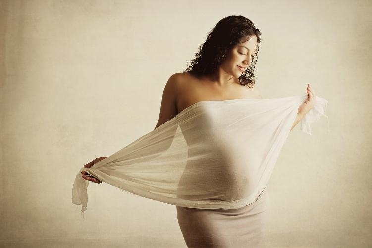 artistic creative pregnancy maternity photography