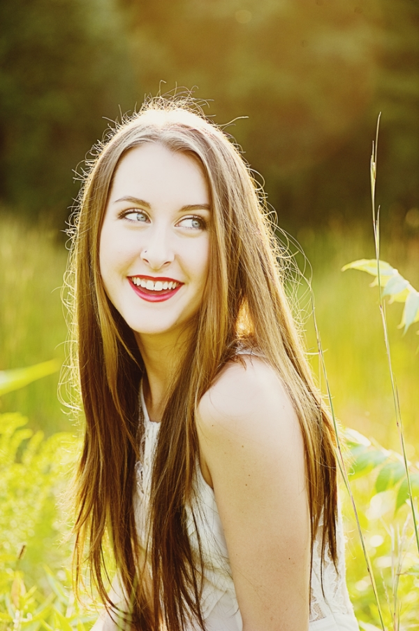 natural outdoor senior portraits