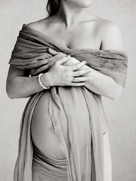 soft feminine fine art maternity photography