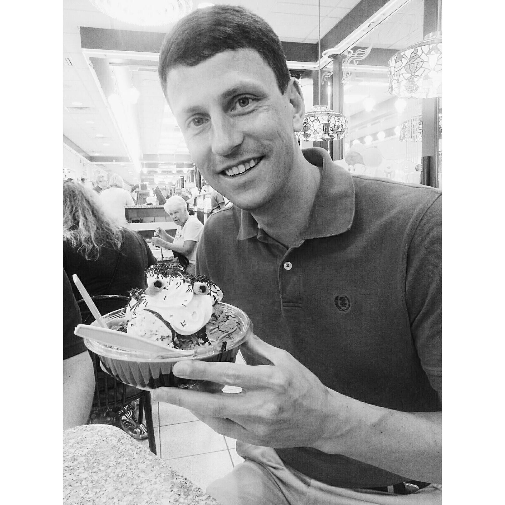 Sarris Candies Ice Cream