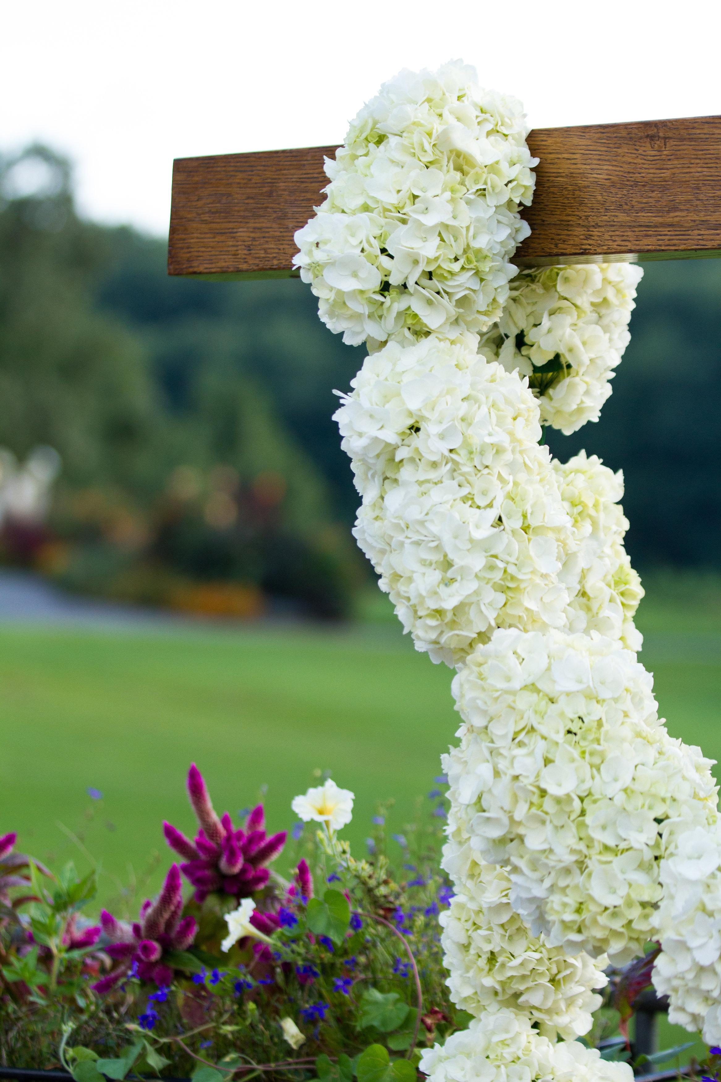 Cross wedding backdrop Meadowlark Botanical Garden Wedding