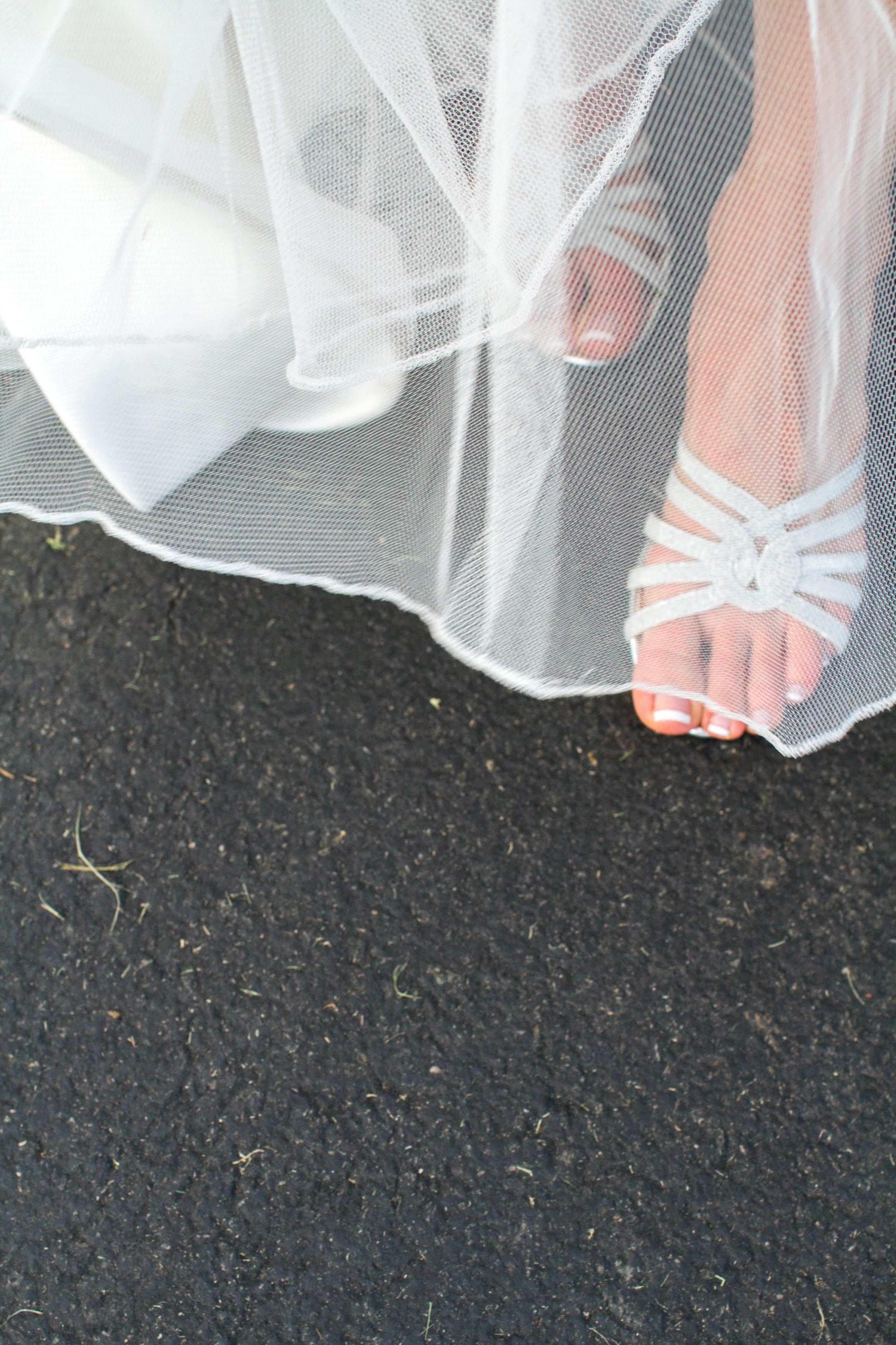 Silver wedding shoes Meadowlark Botanical Garden Wedding Vienna wedding photographer