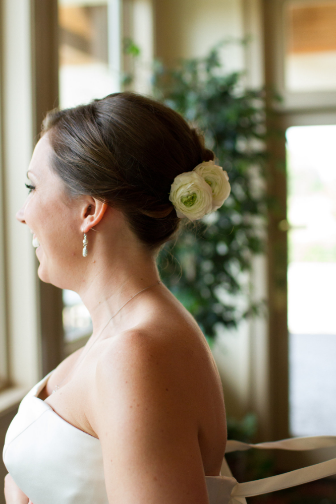 Bride getting ready | Bull Run Golf Club Wedding | Haymarket Wedding Photographer