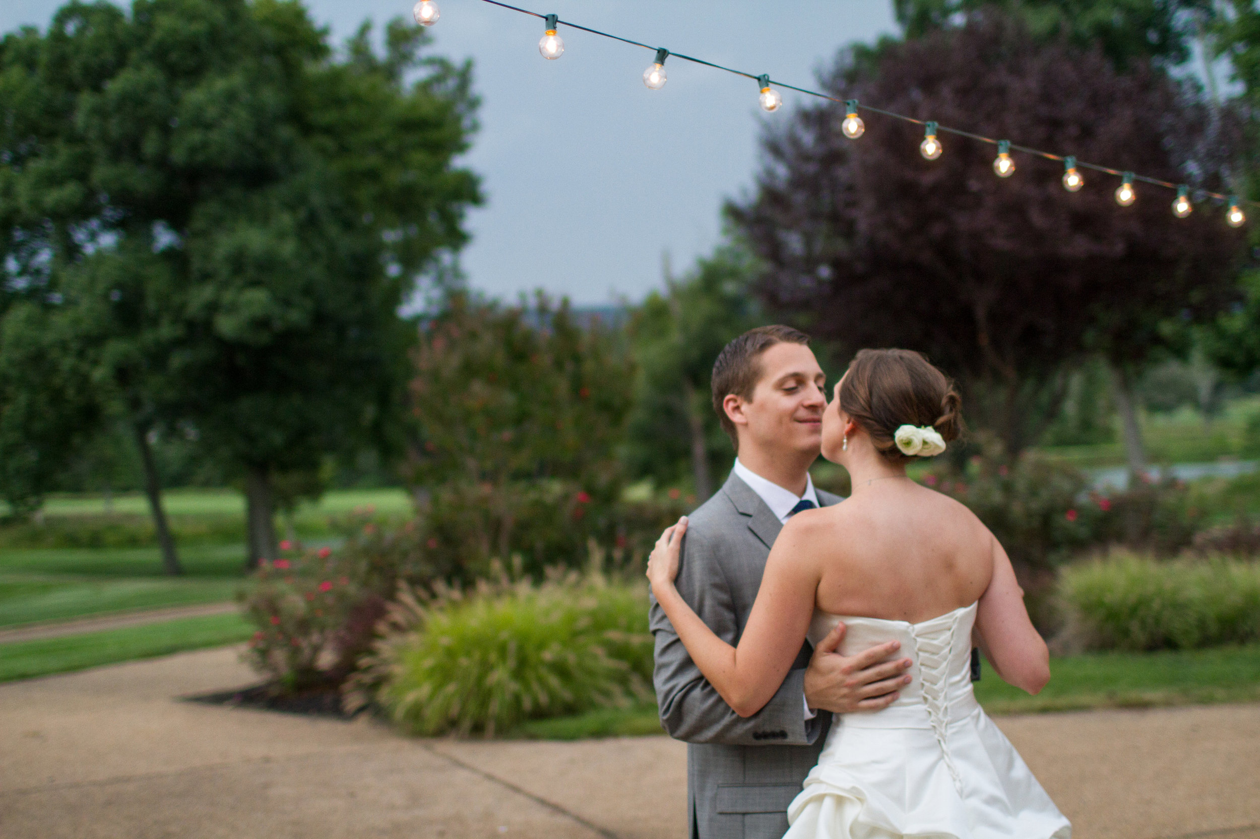 Cocktail hour cafe lights | Bull Run Golf Club wedding