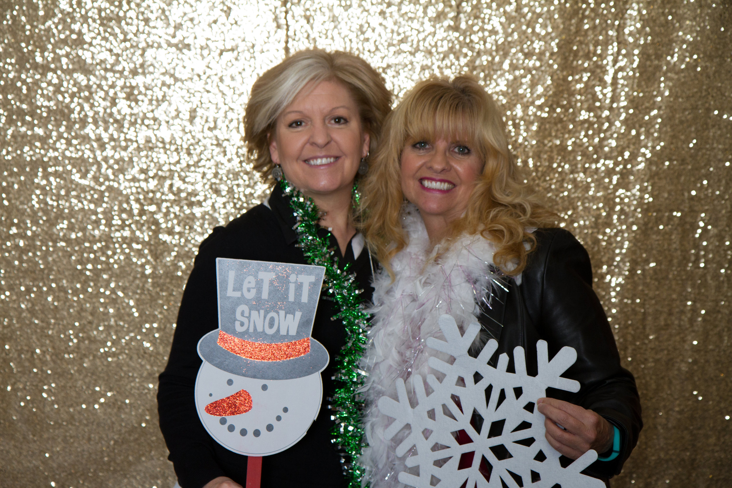 DIY gold photo booth | MBC Holiday Show and Expo