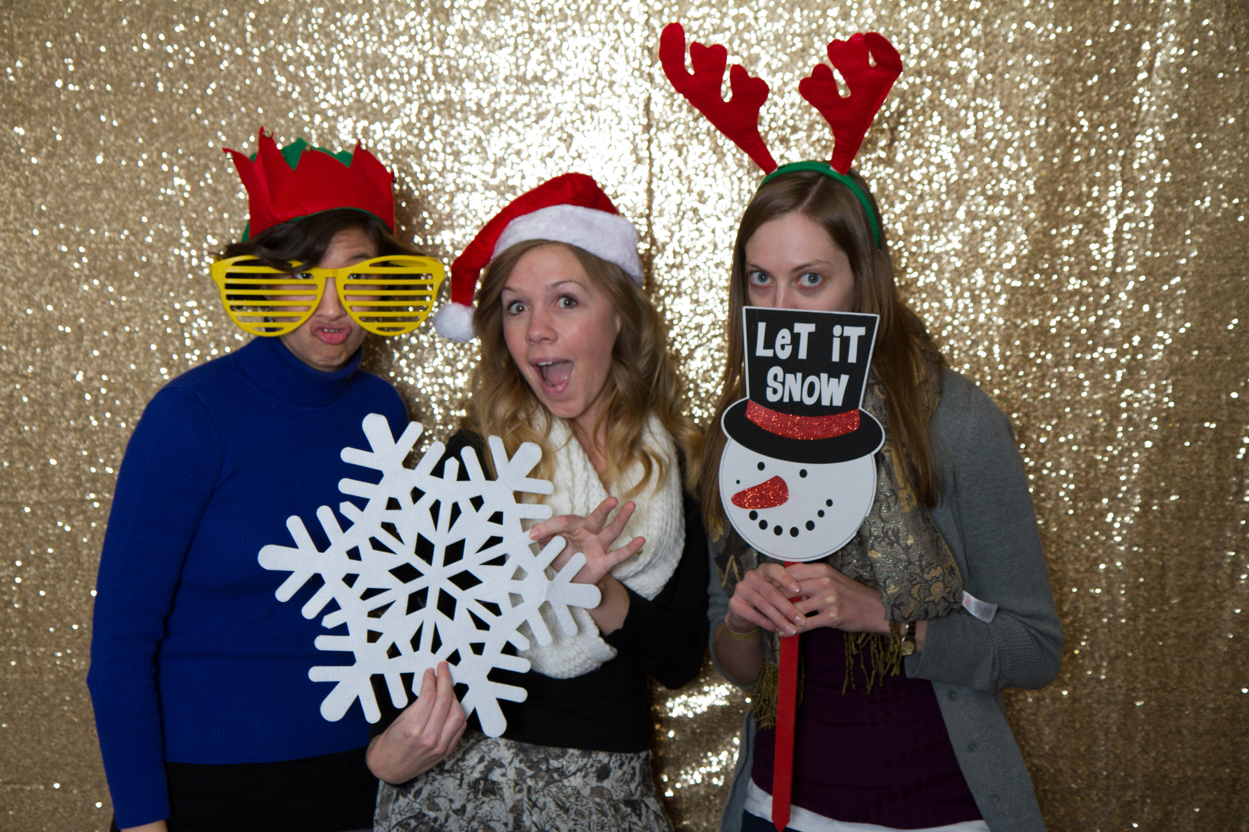 Fun Christmas photo booth | MBC Holiday Show and Expo