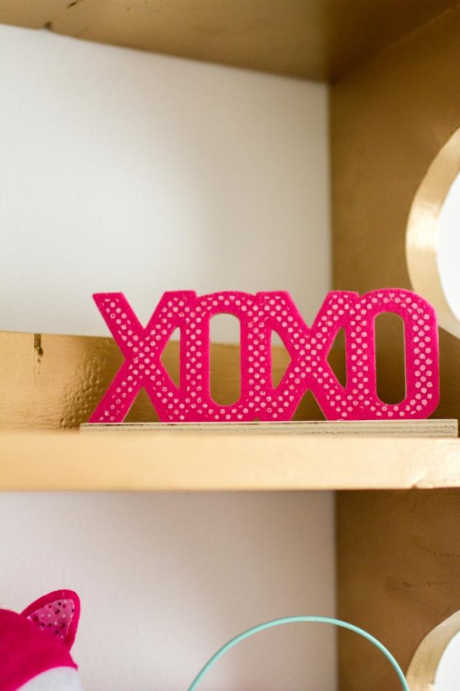 XOXO sign | Lorin Marie Photography