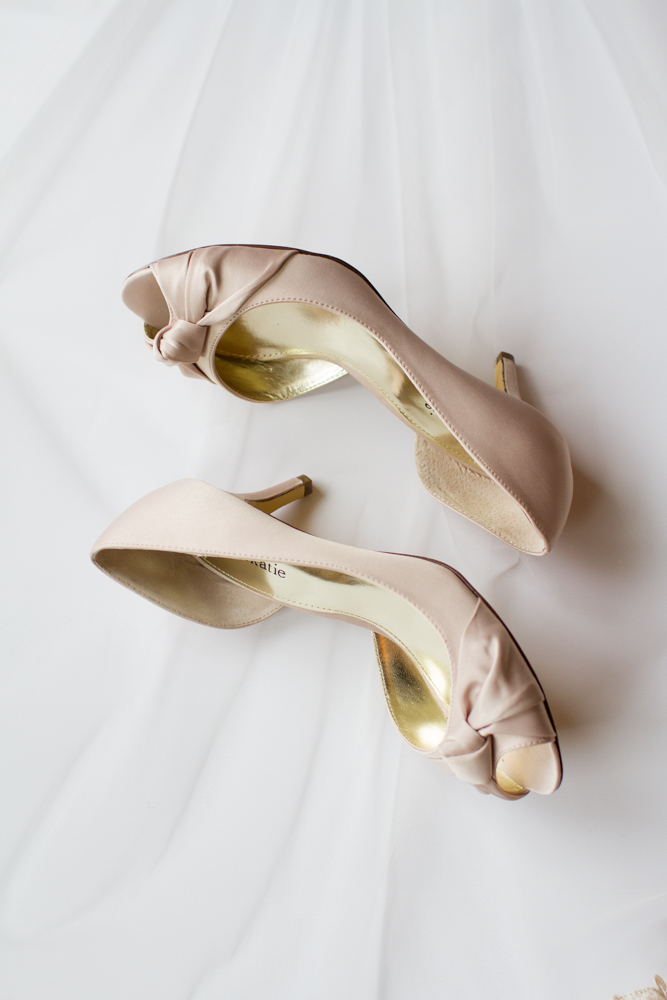 Blush wedding shoes | Lorin Marie Photography