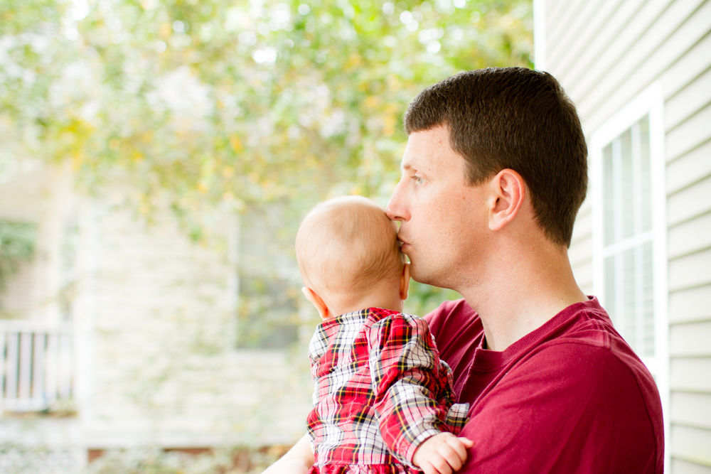 Daddy and baby | Lorin Marie Photography