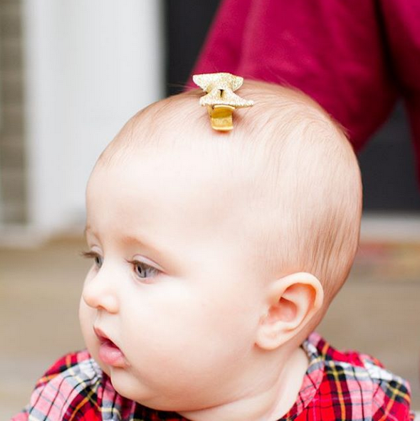 Gold baby bow clip Columbia photographer | Lorin Marie Photography