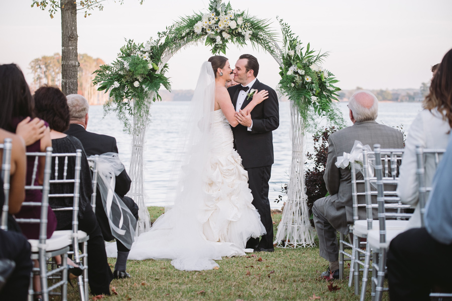bride groom first kiss