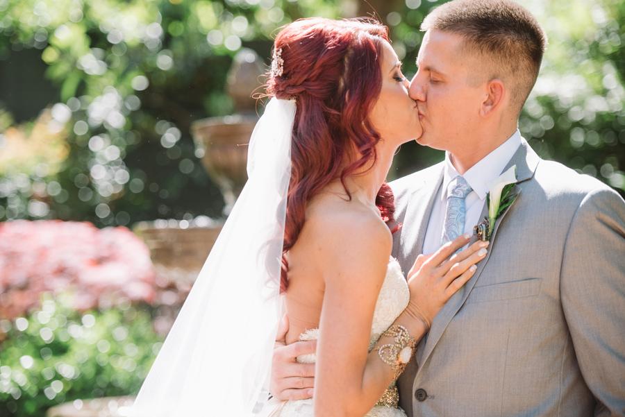 stunning kiss