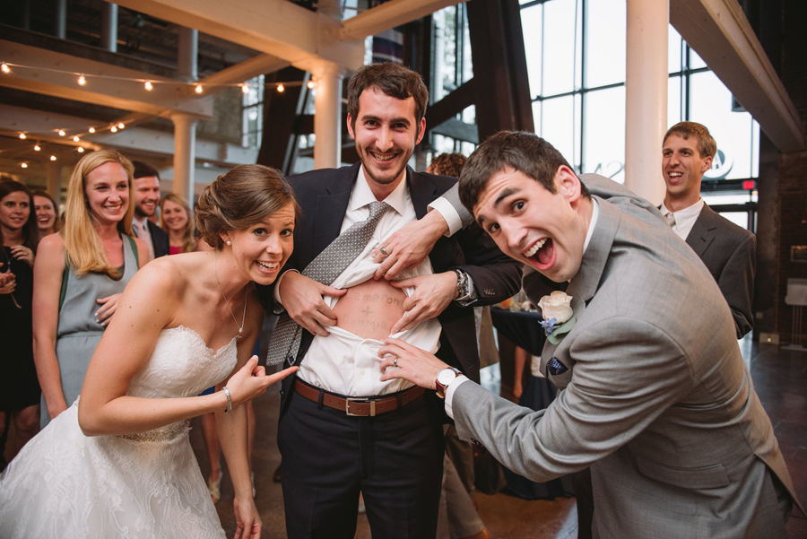 funny wedding guests