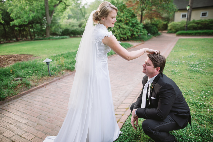 headscratch moments with a bride and groom
