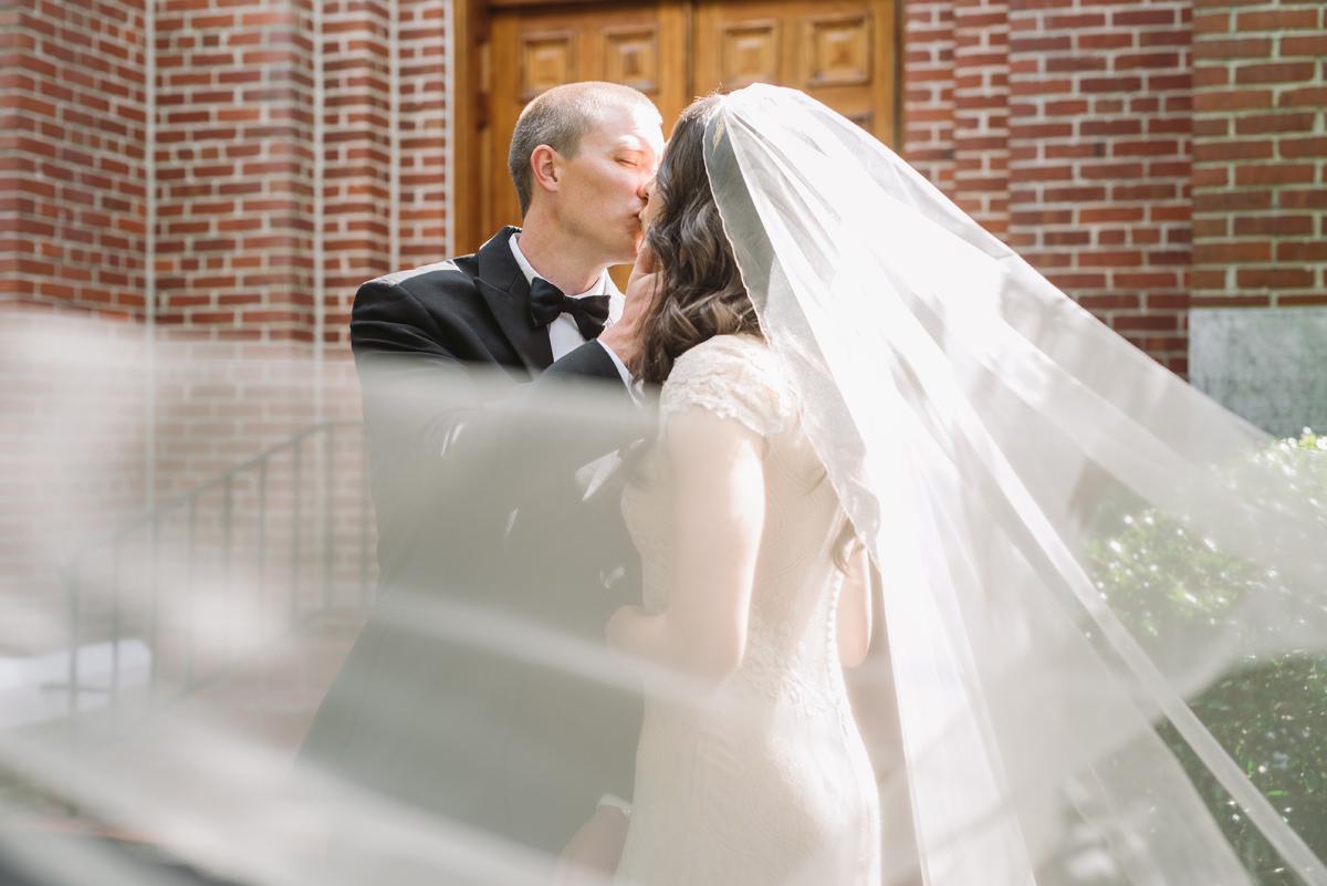 beautiful bridal veil portraits