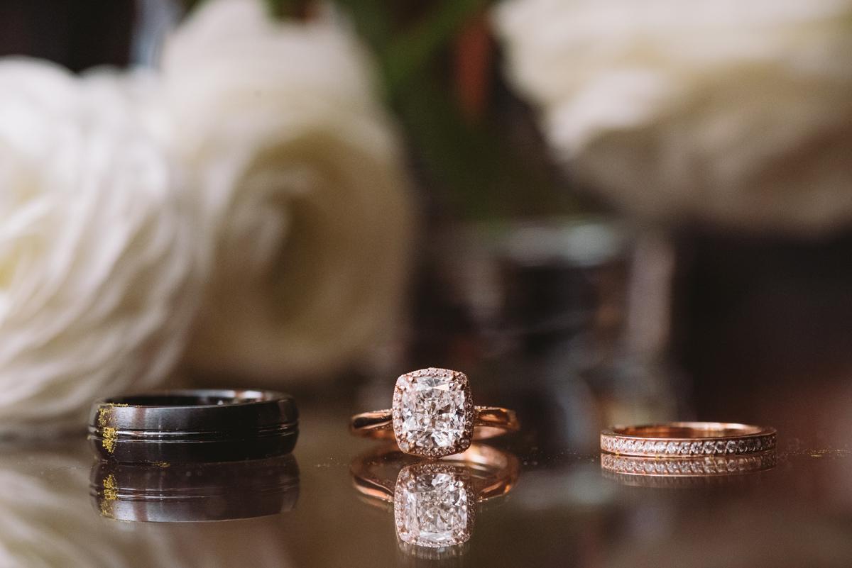 macro images wedding rings