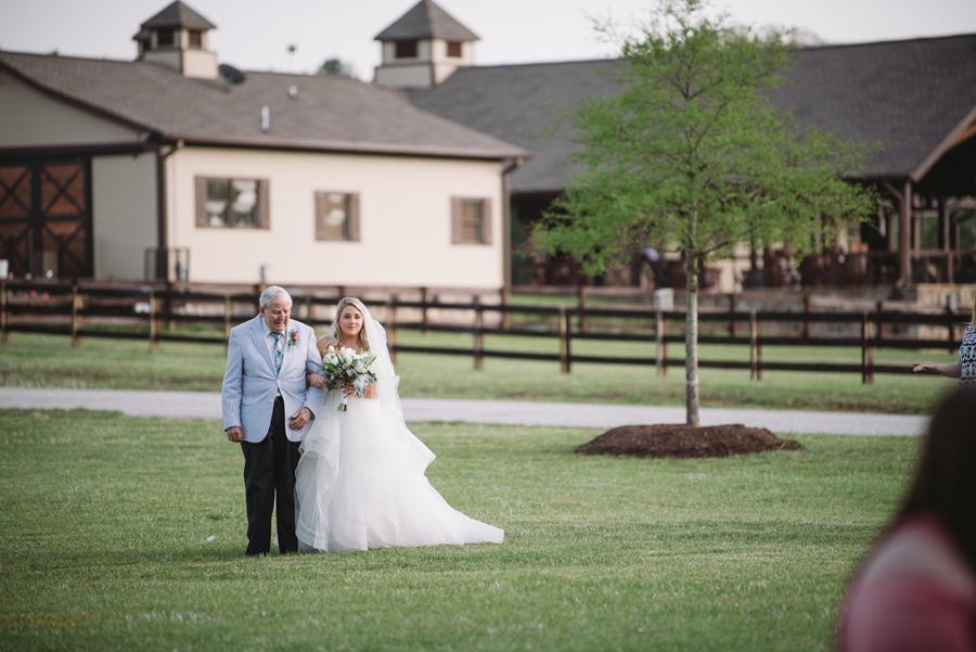 wedding ceremony farm at ridgeway
