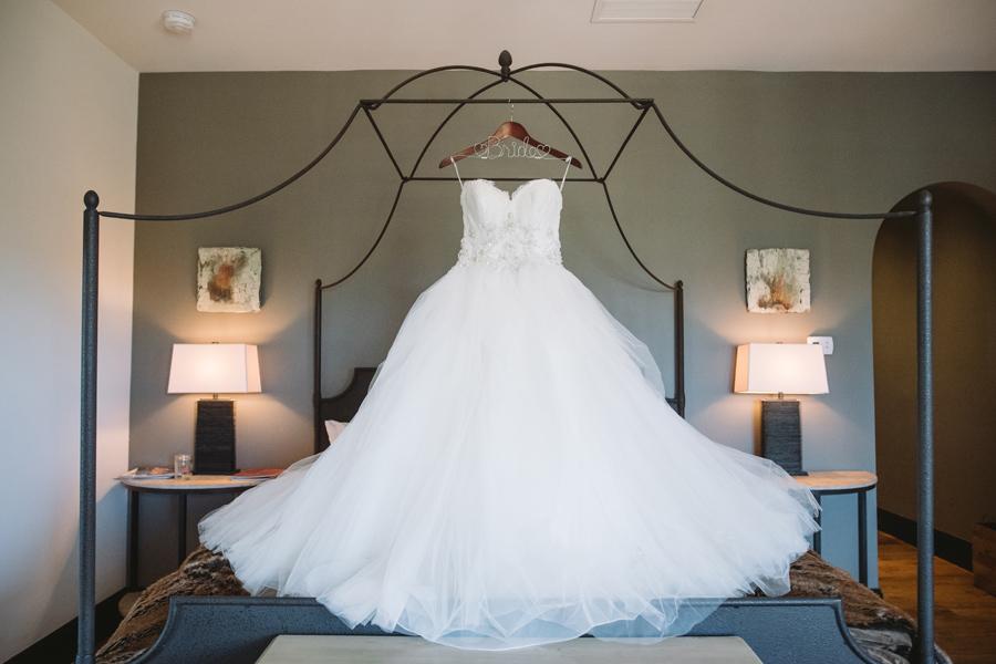 brides dress hotel domestique