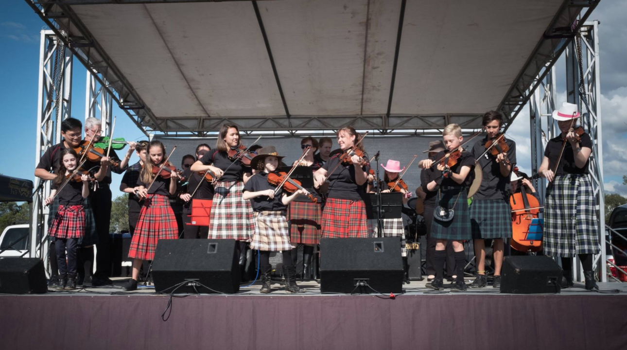 - Moreton Celtic Fiddle Club and Gold Coast Celtic Music Club perform @ Ormeau Lions Fair 2017