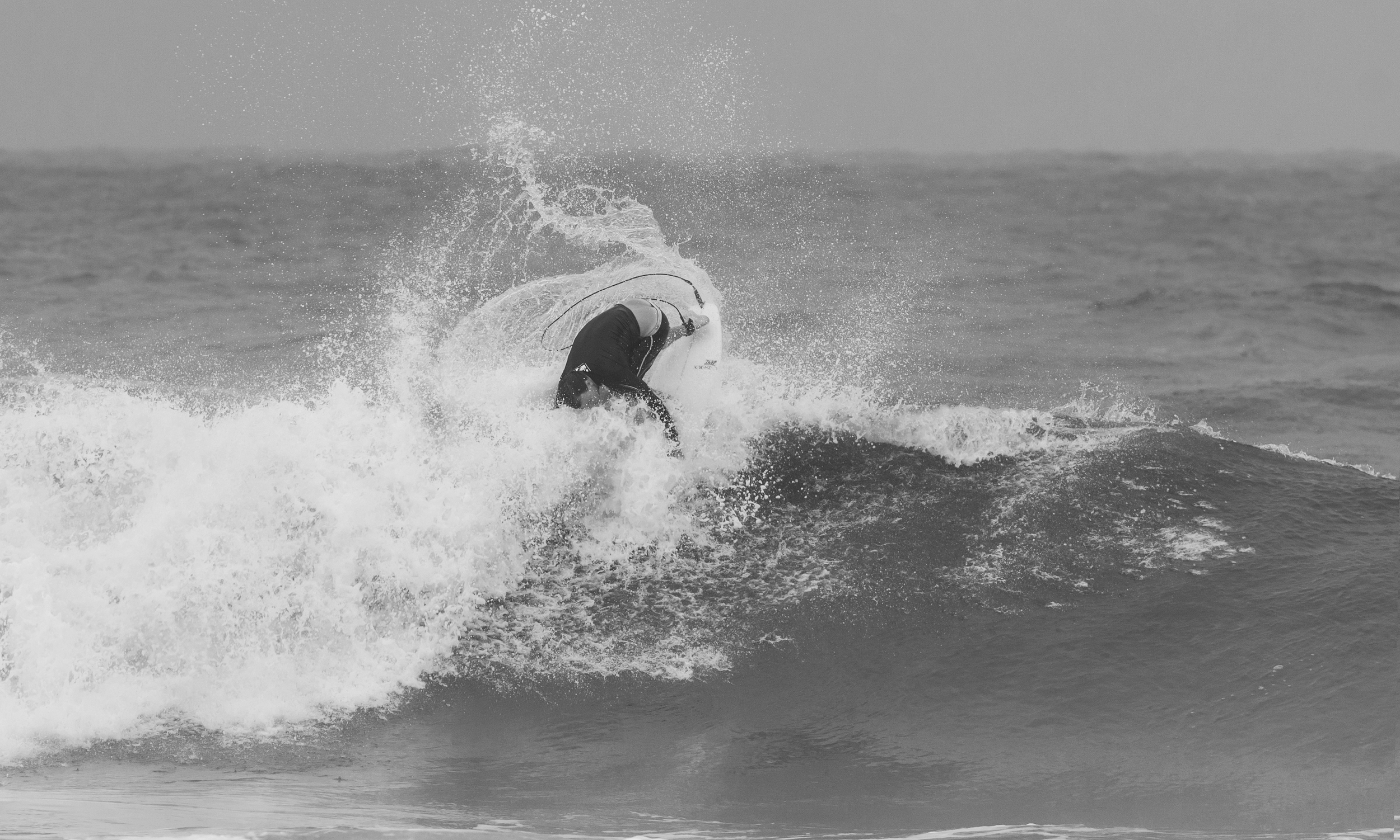 Gabe Kling throwing his fins out the back