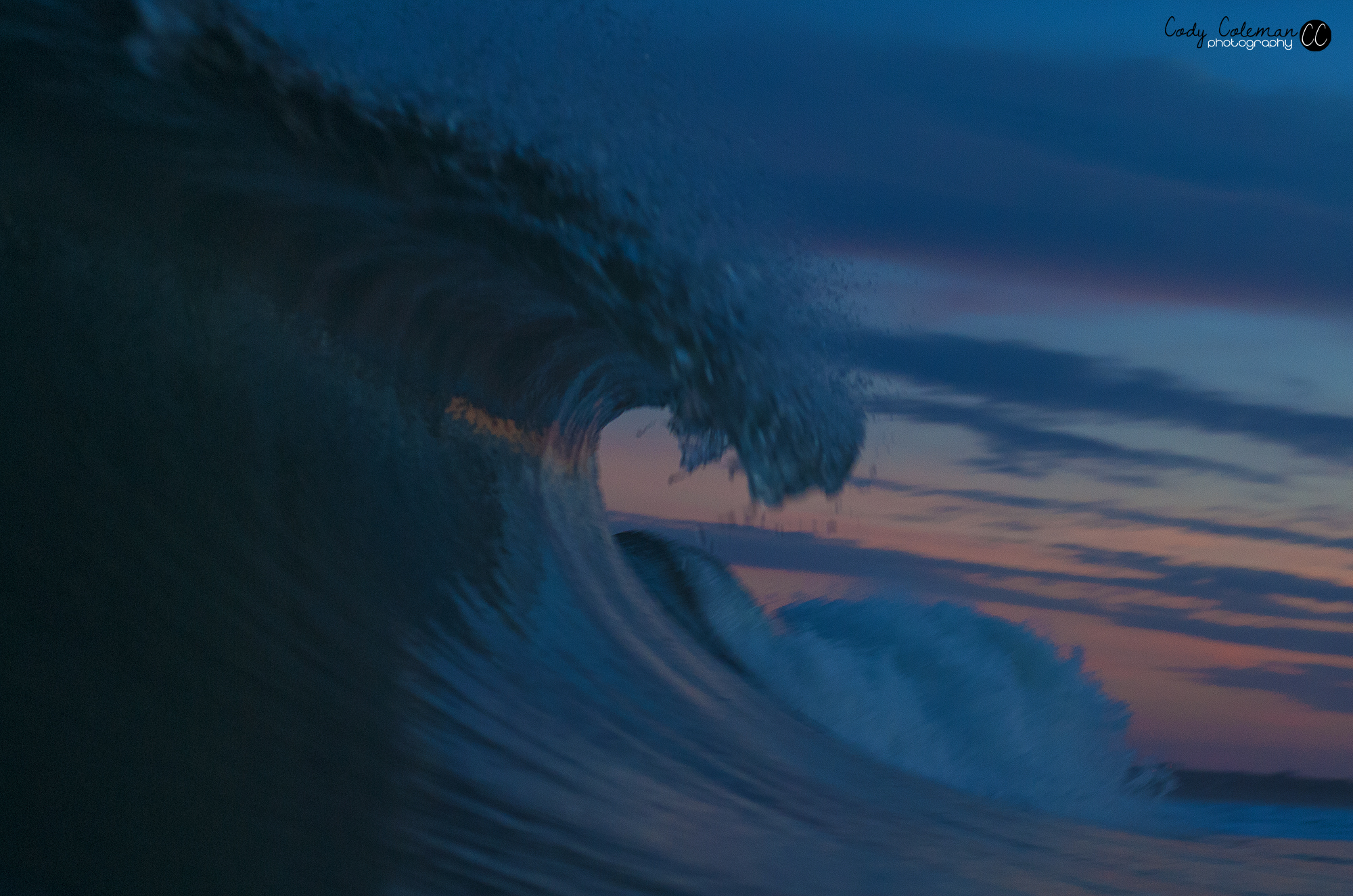 I love the small strip of color hitting the inside of the wave on this one.