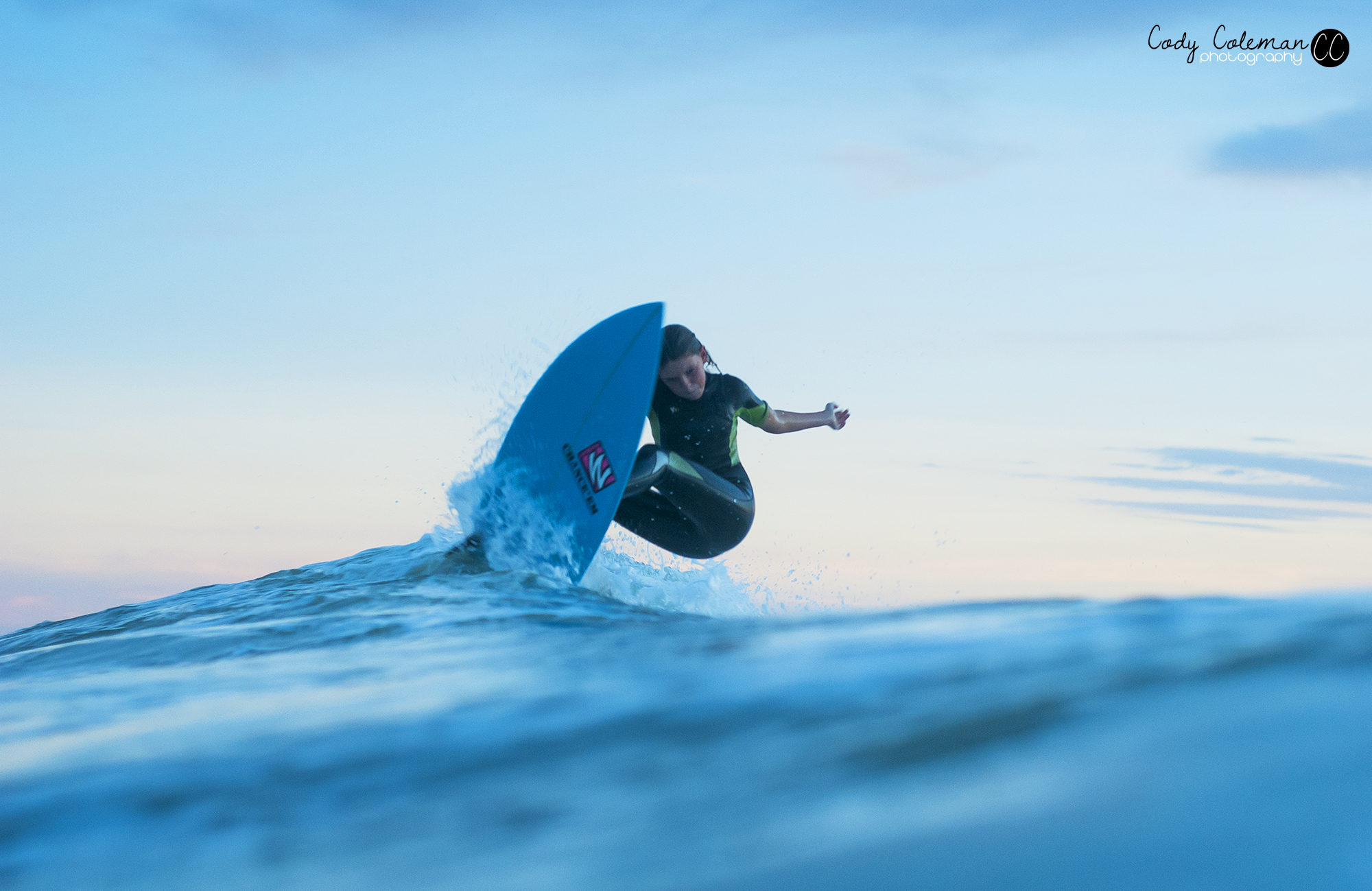 Eden Lange setting up to release her fins.