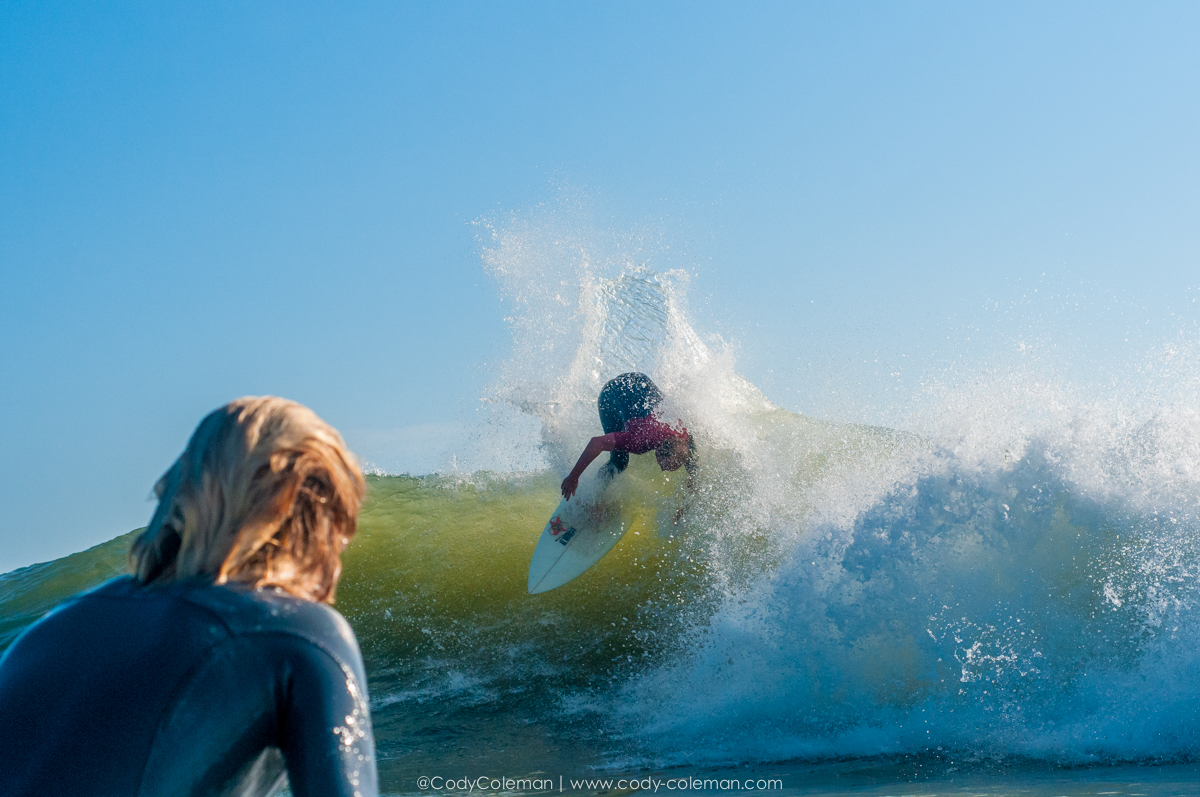 Jody Davis showing local grom Noah Brownell how to properly attach the lip on your backhand... Take notes kids!