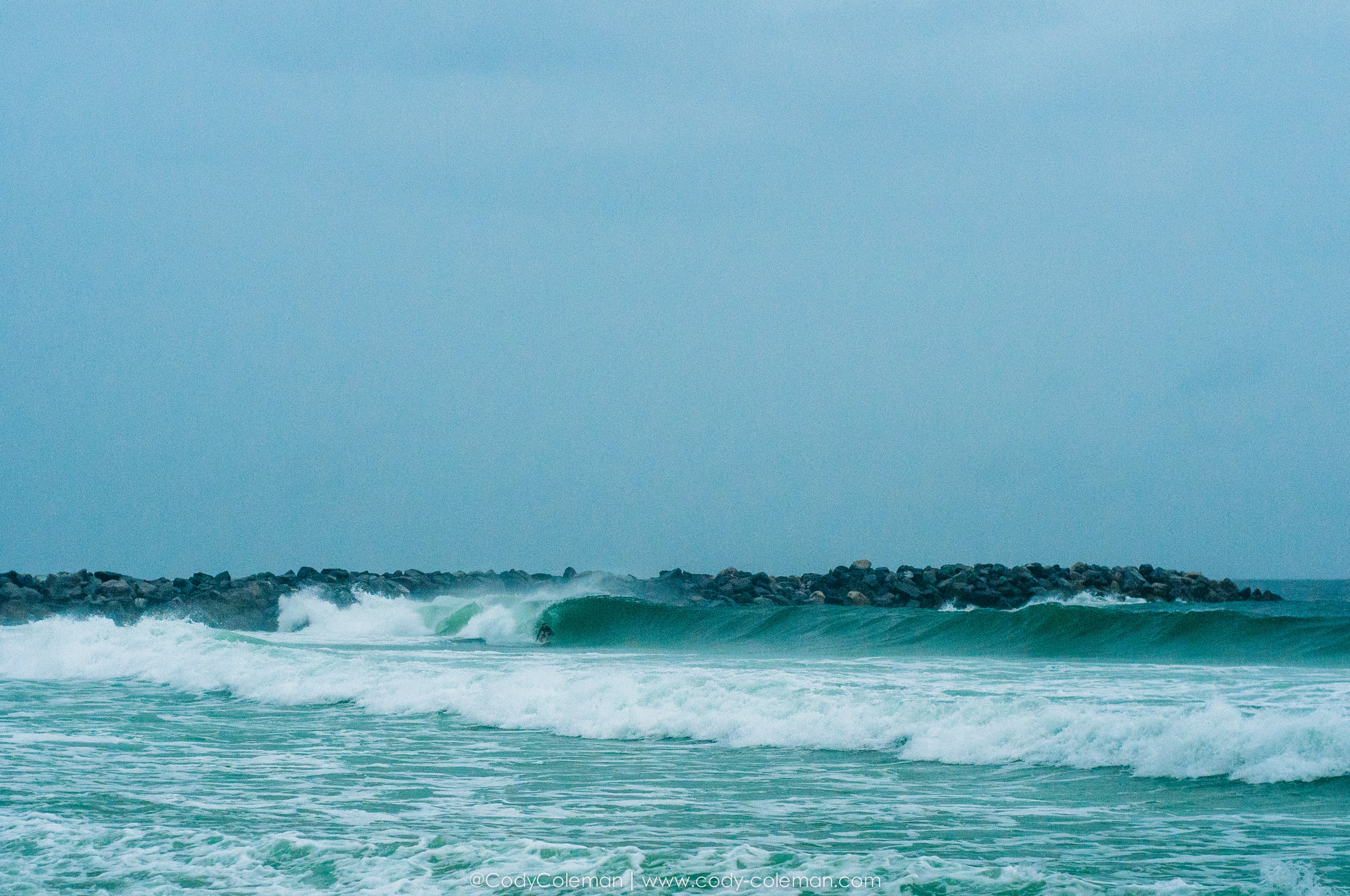 Back up the beach for a another drift & I spot Matthew Glenn grabbing rail to pulling into a mental one.
