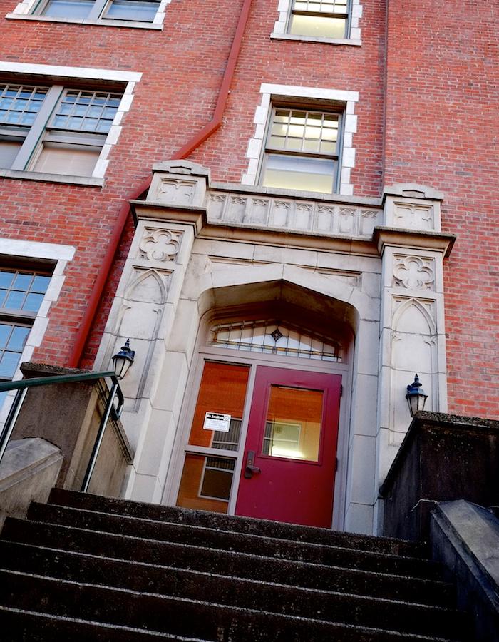 Willamette University dormitory.Fuji X-E1. 18-55mm.