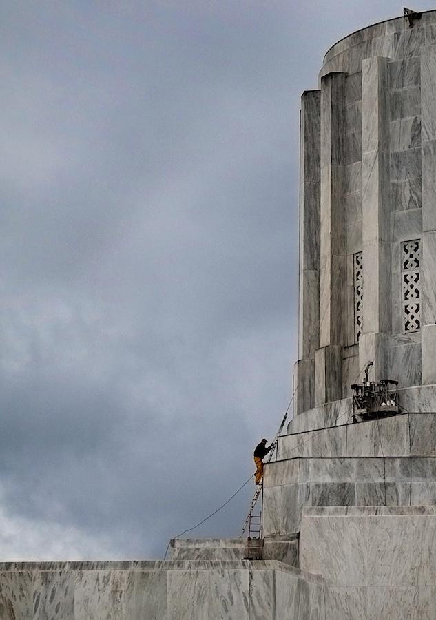Ladders.Oregon Capitol Building, Salem. Fuji X-E1. 18-55mm.