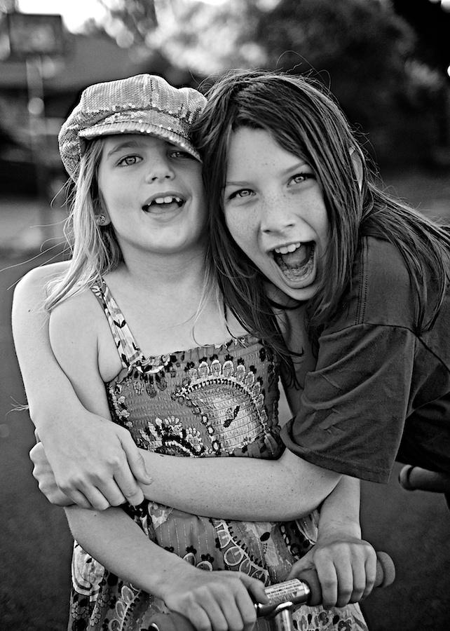 Goofy Sisters. FujiFilm XE-1, 35mm f/1.4.