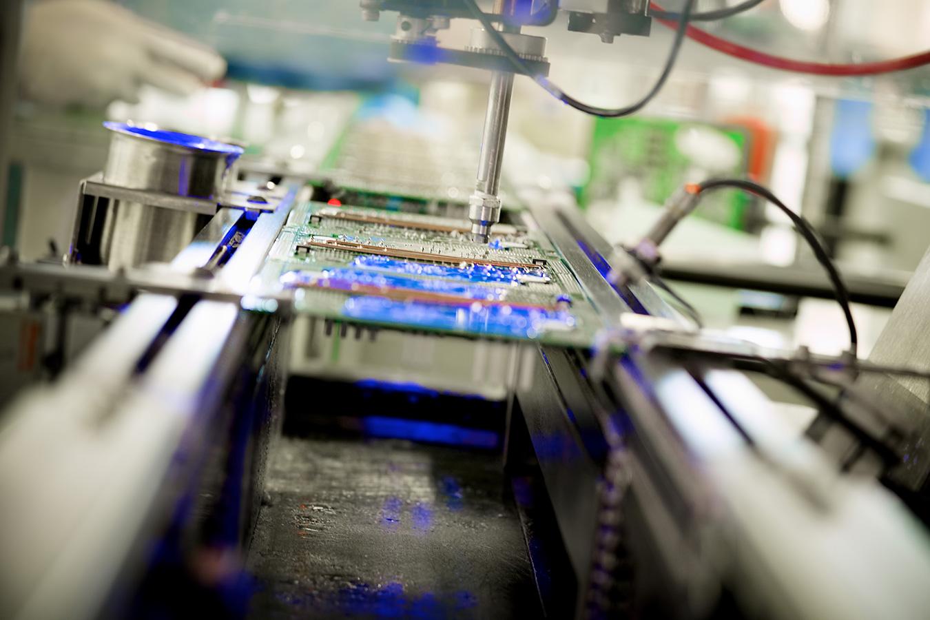 Conformal coating machine - Fujifilm XE-1, XF55-200mm @ 58mm, ISO 1250, f/3.5, 1/18.