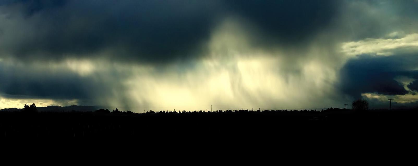 Dramatic Rain Curtain Keizer Oregon.jpg