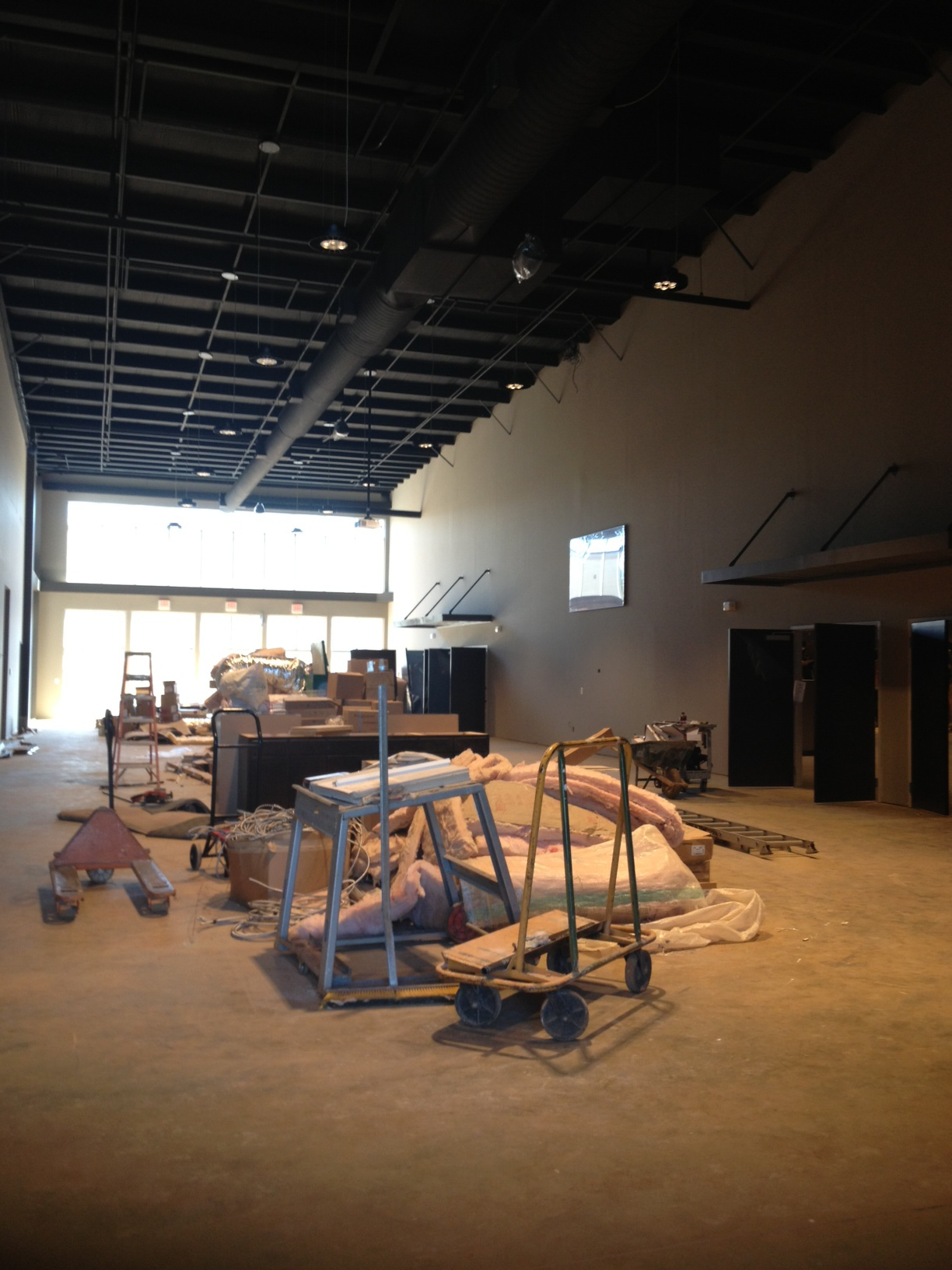 The main hallway viewing the entrances to the worship center.
