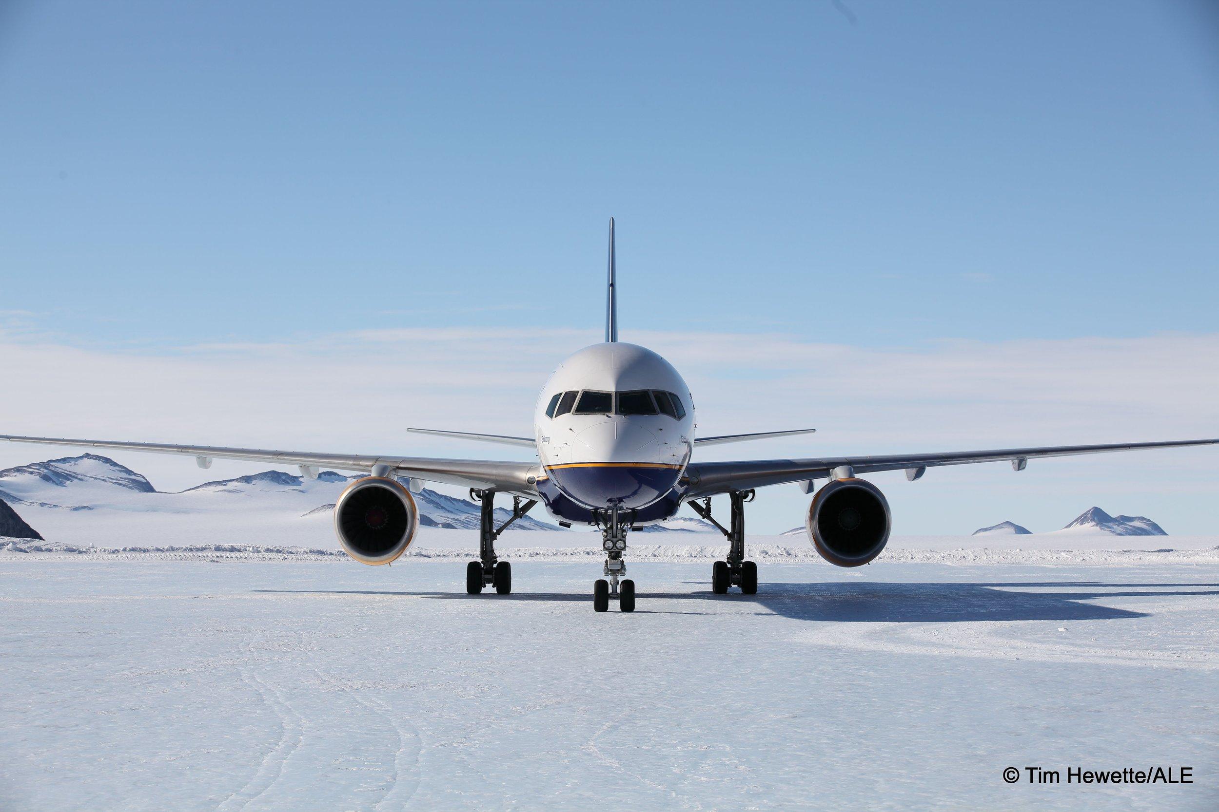 boeing 757 union glacier blue ice