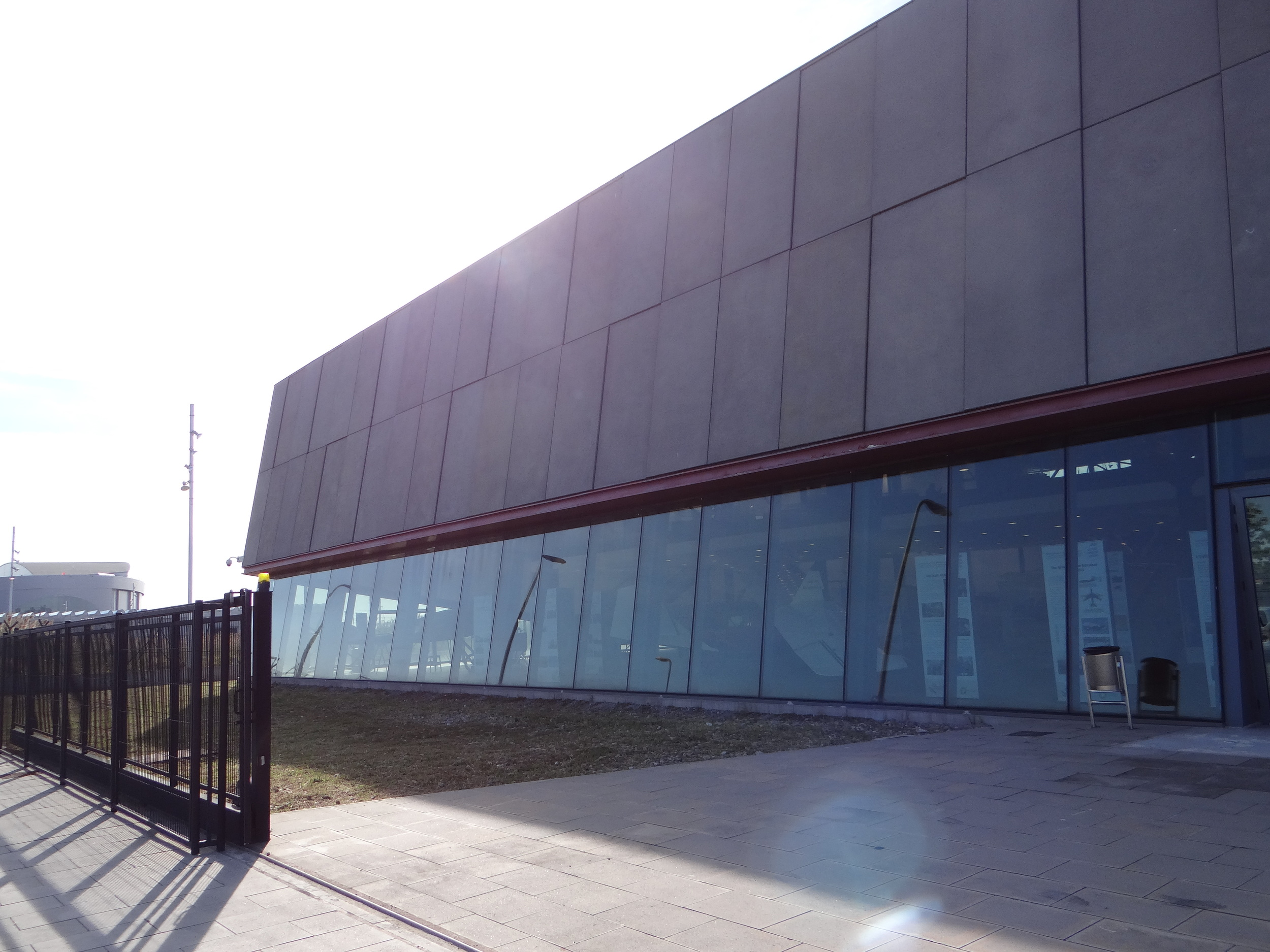 Barcelona Aeronautical Cultural Center,located in an airy building of modern lines within walking distance of the airport's Terminal 2