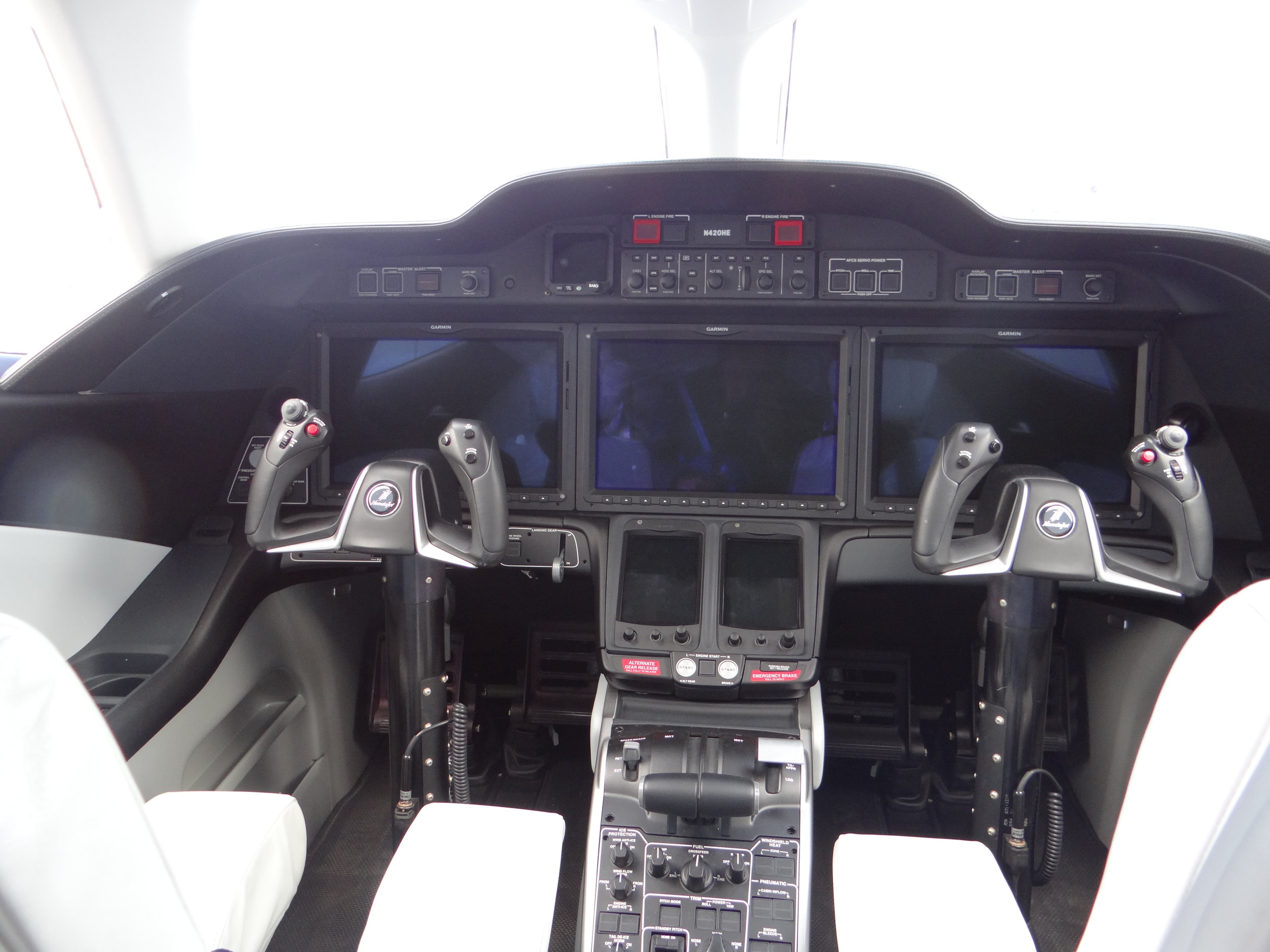 For those interested, here's the Honda Jet cockpit