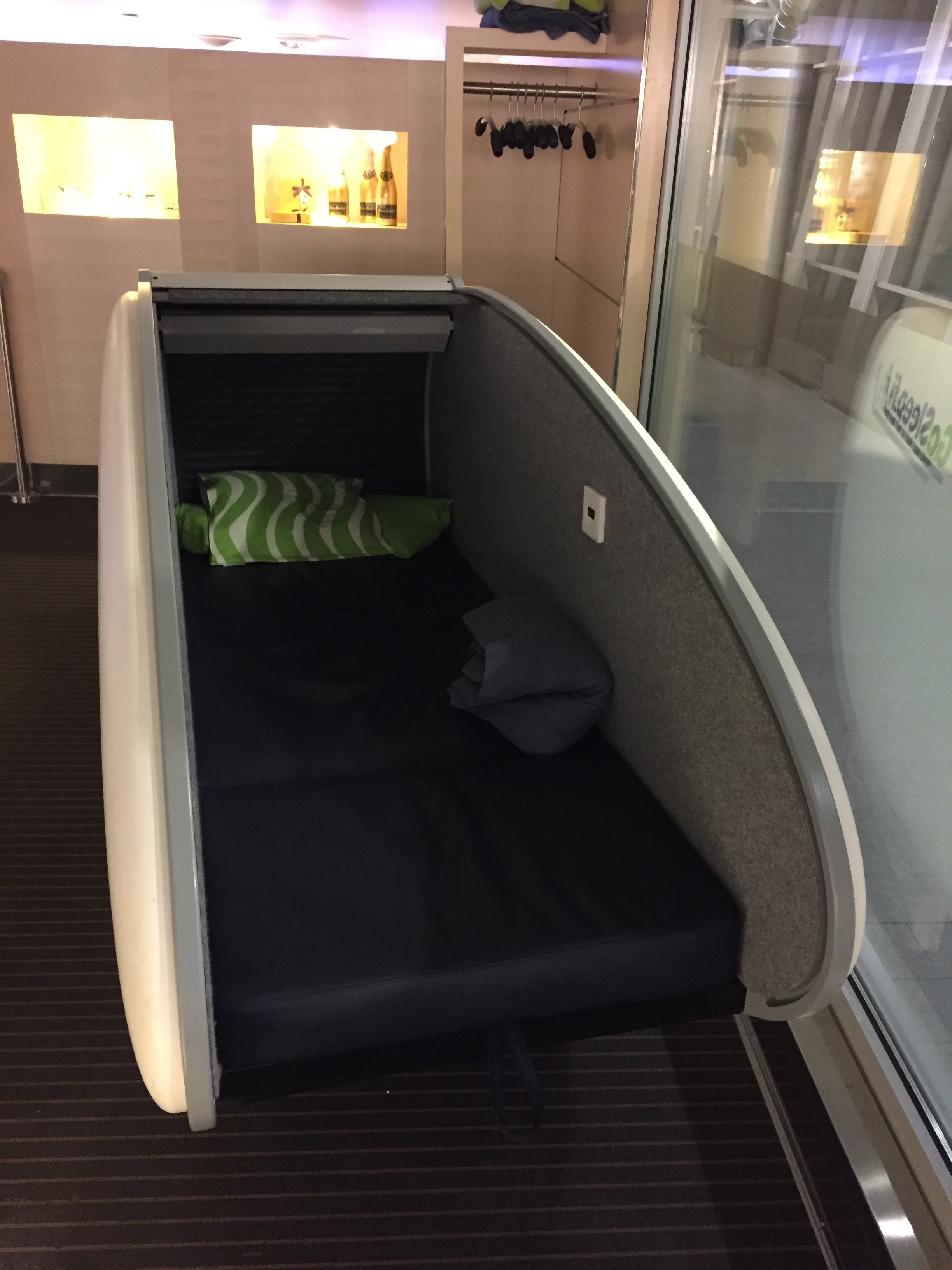 sleeping pod helsinki airport.JPG