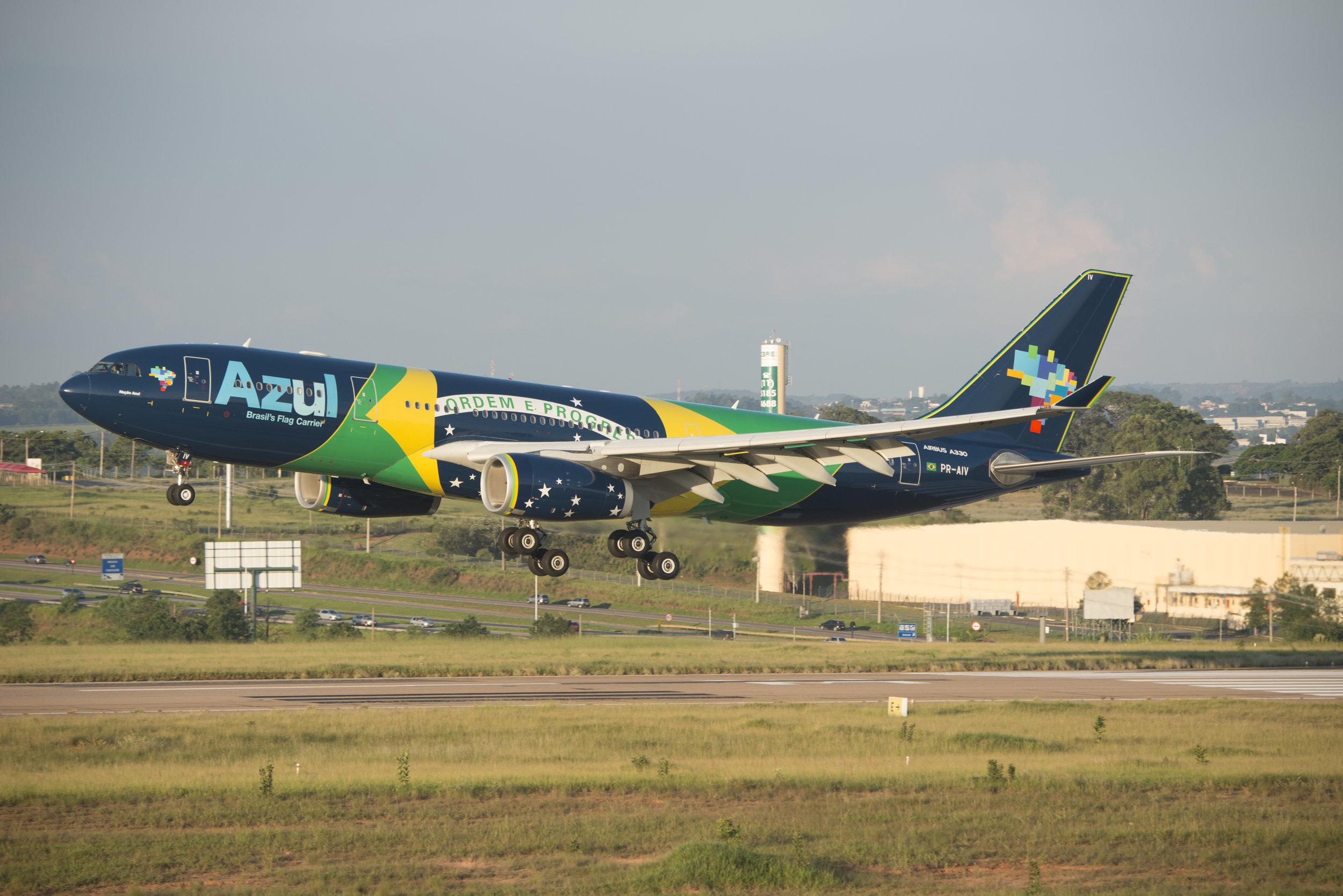 A330 azul brazil flag