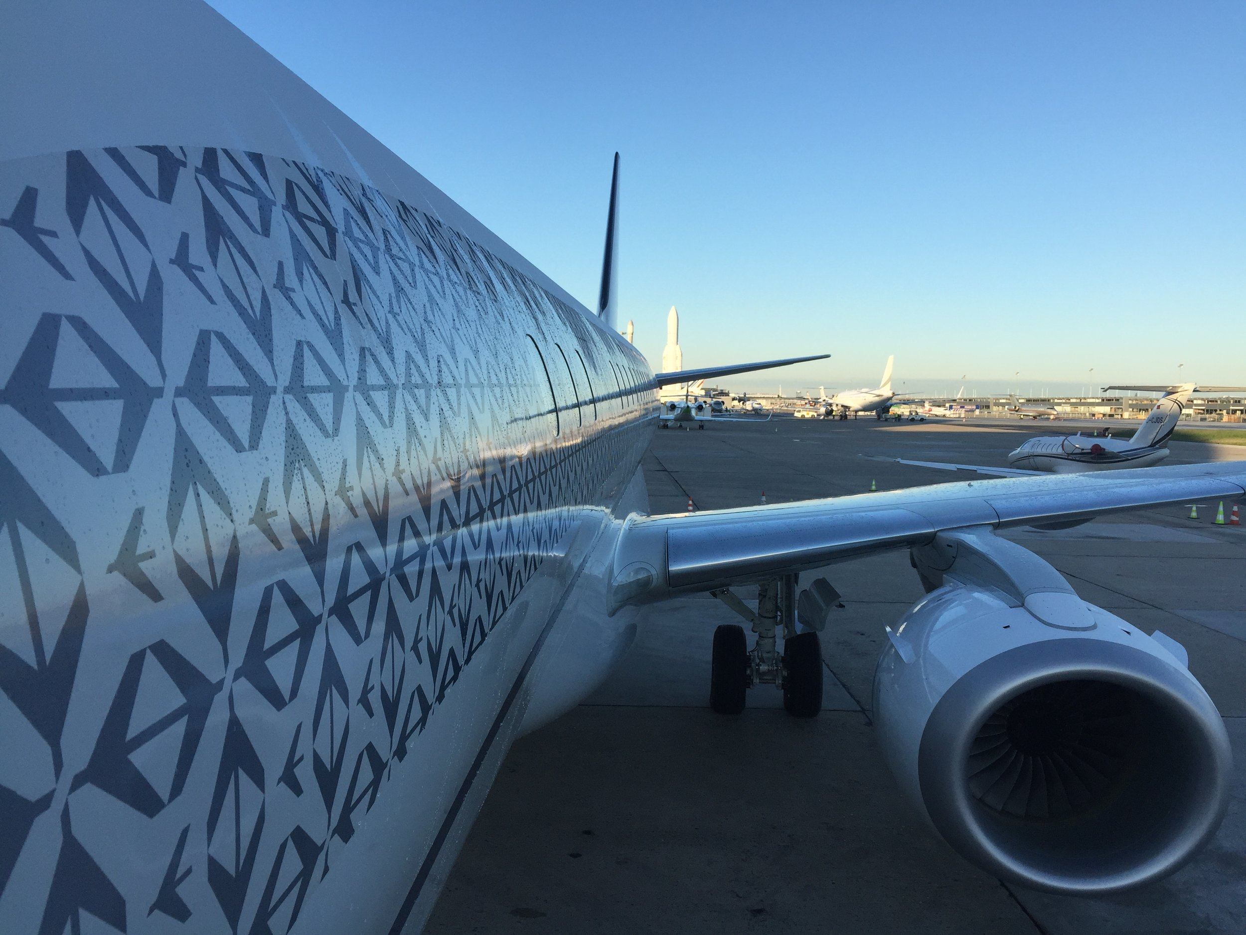 When taking a closer look it appears that the aircraft's livery is actually made of many repetitions of the Embraer logo, creating a pattern