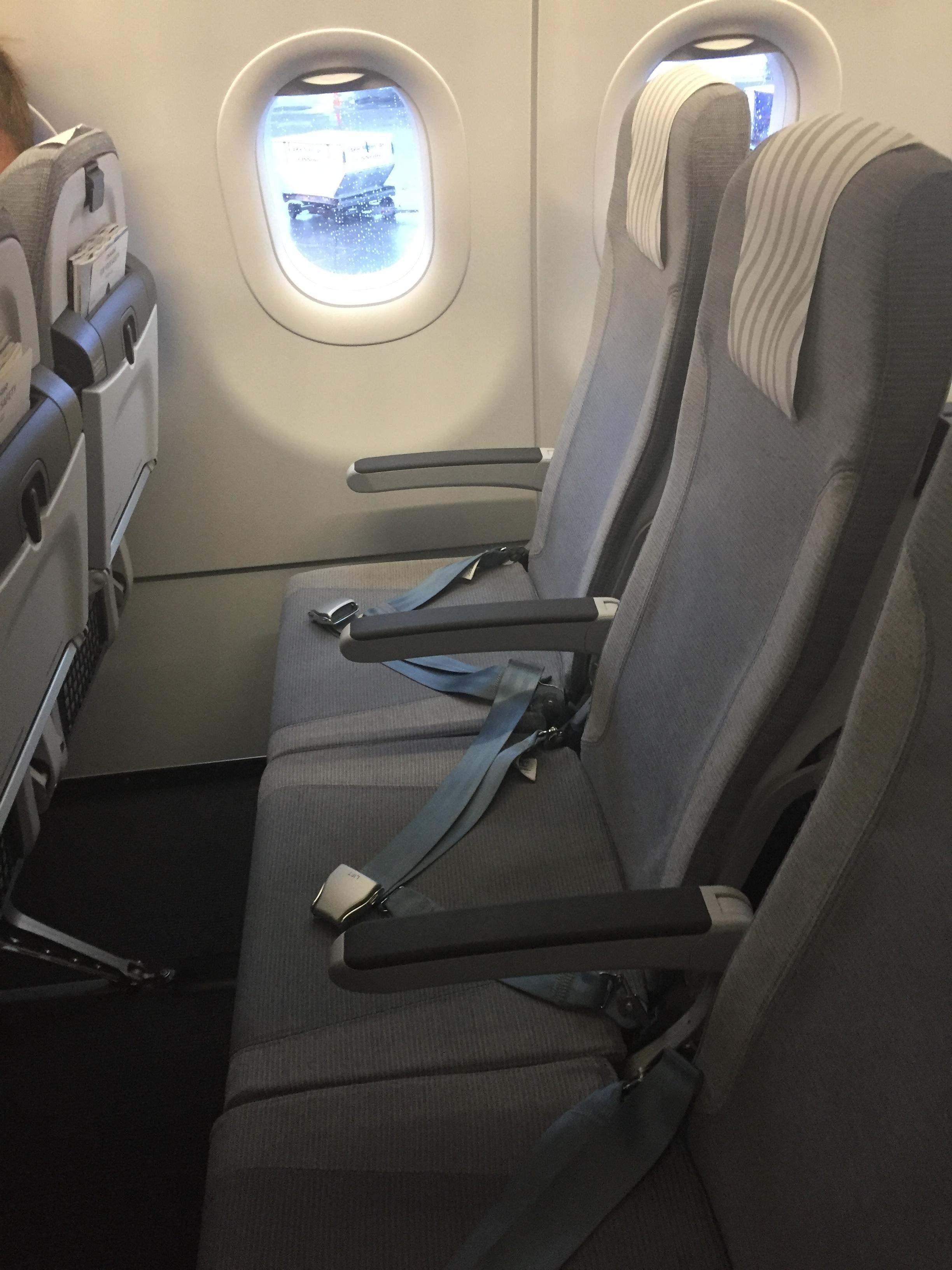 Finnair a321 seats.JPG