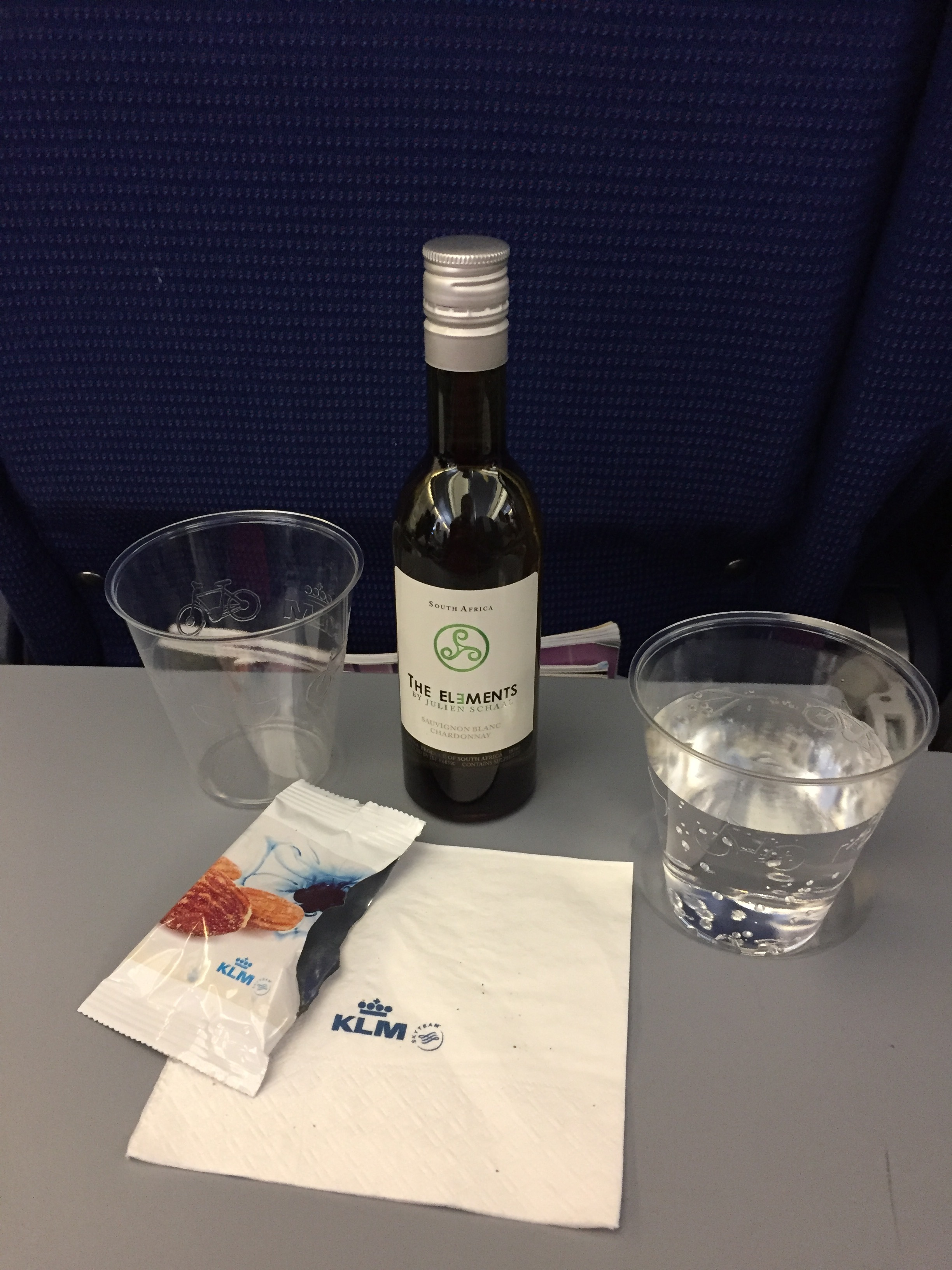 """Welcome on-board¨snack and drink, the appetizer"