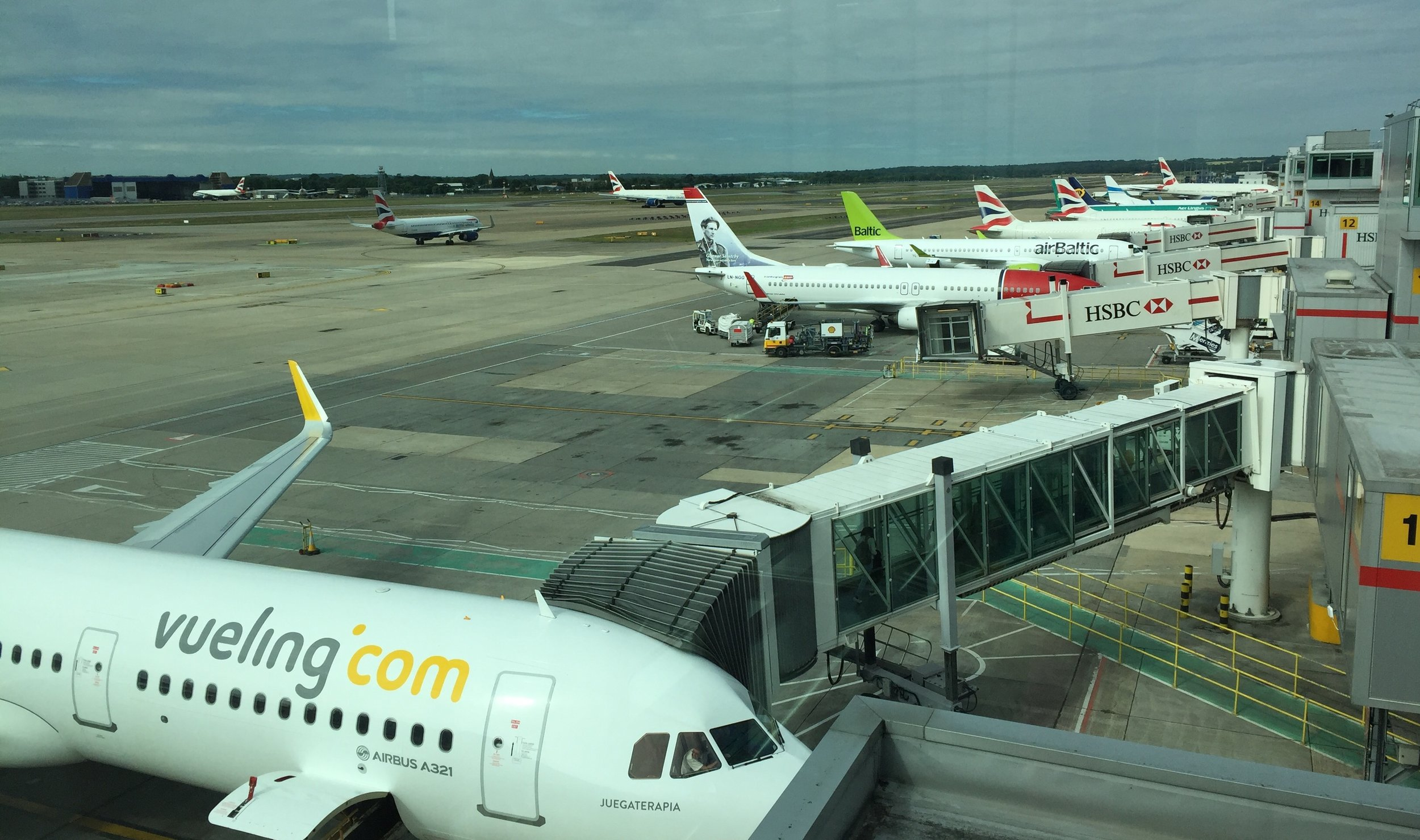 A colourful display of tails greeted our arrival to Gatwick airport. The A321 that flew us from Barcelona, in the foreground