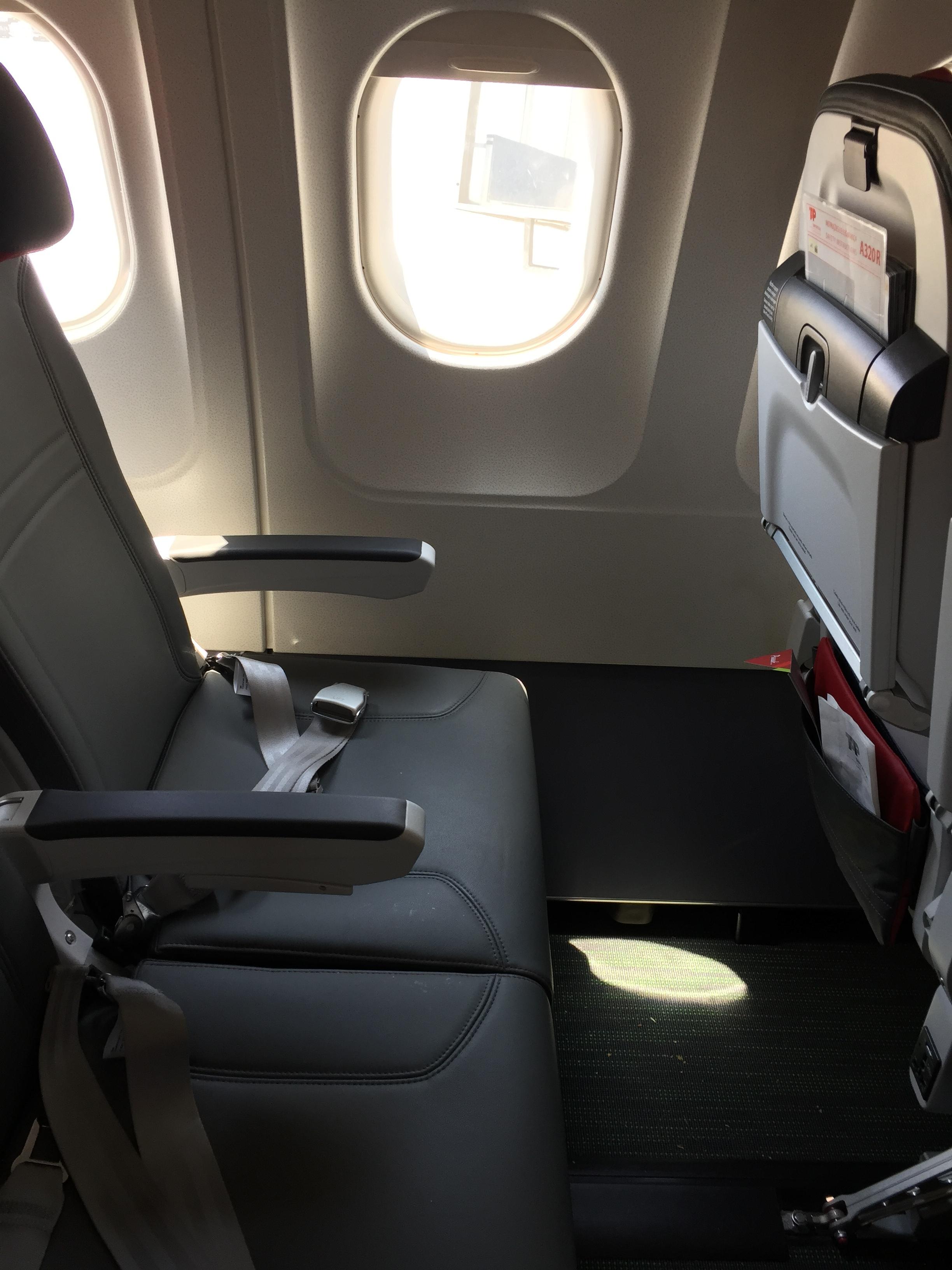 TAP A320 business class seats.JPG