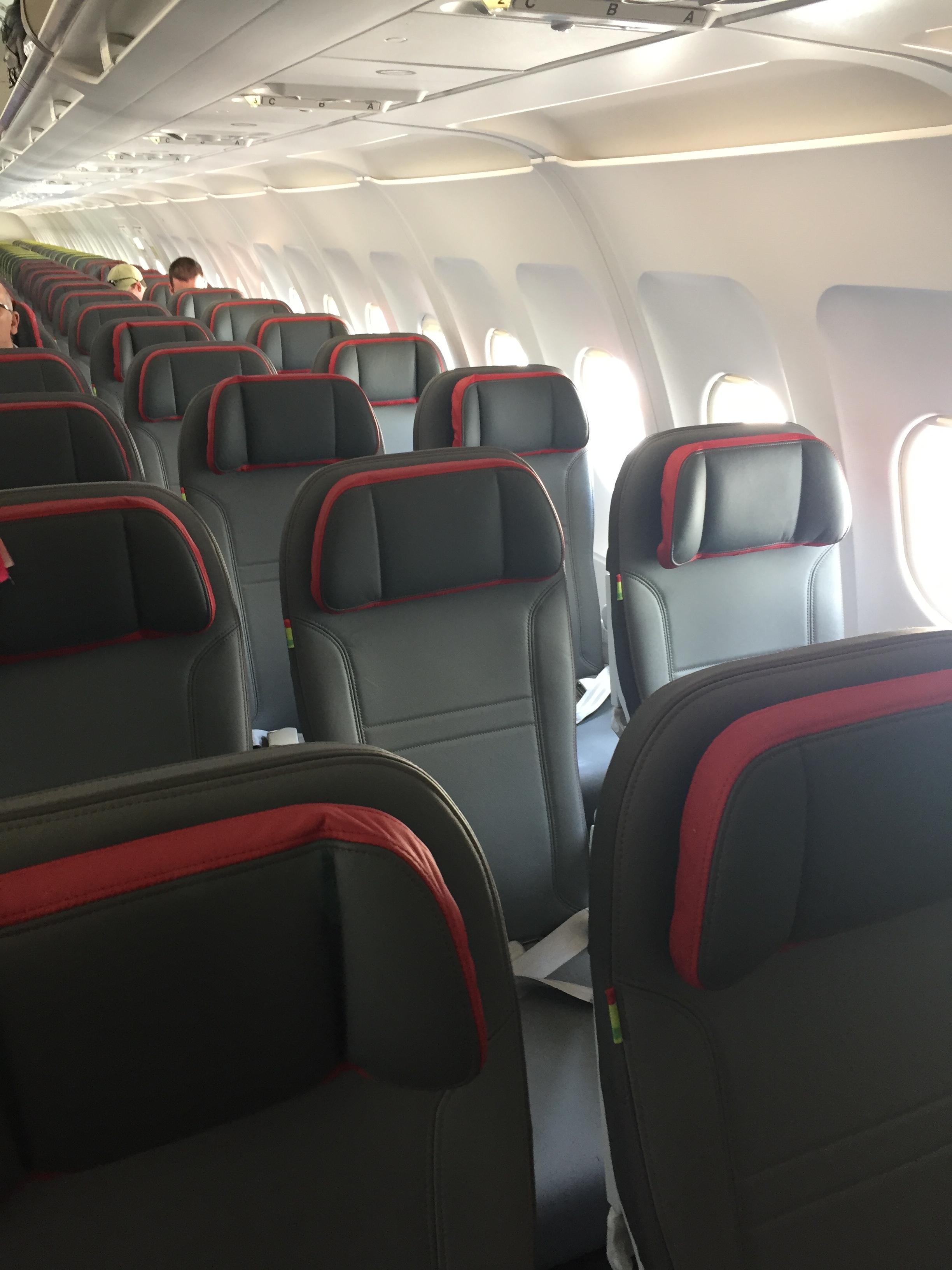TAP A319 A320 cabin.JPG