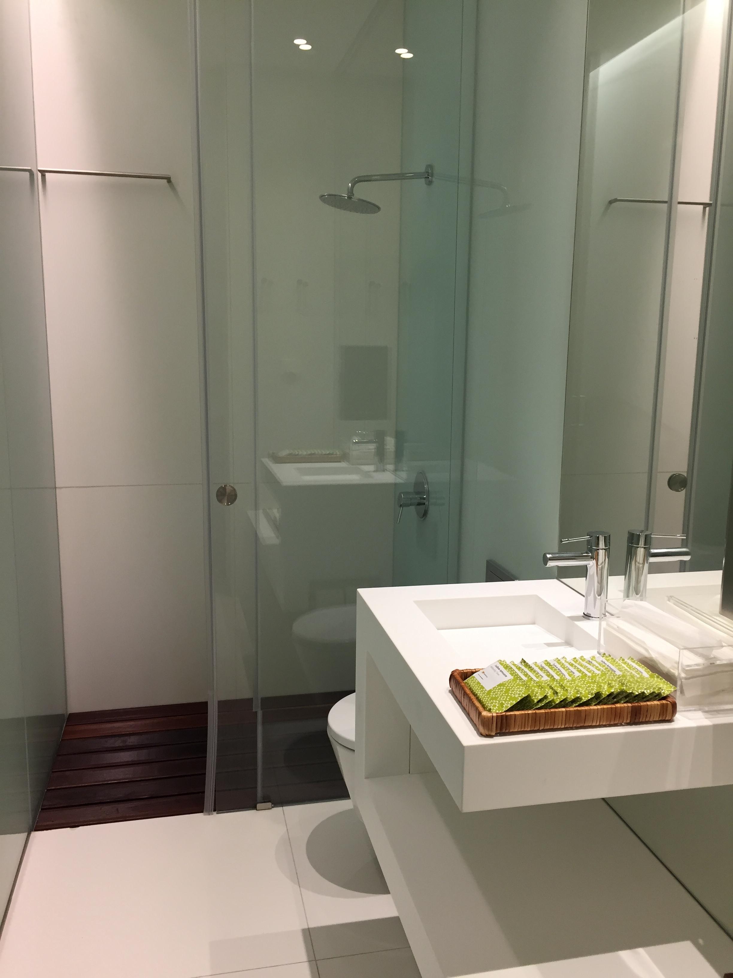 TAP business class lounge shower.JPG