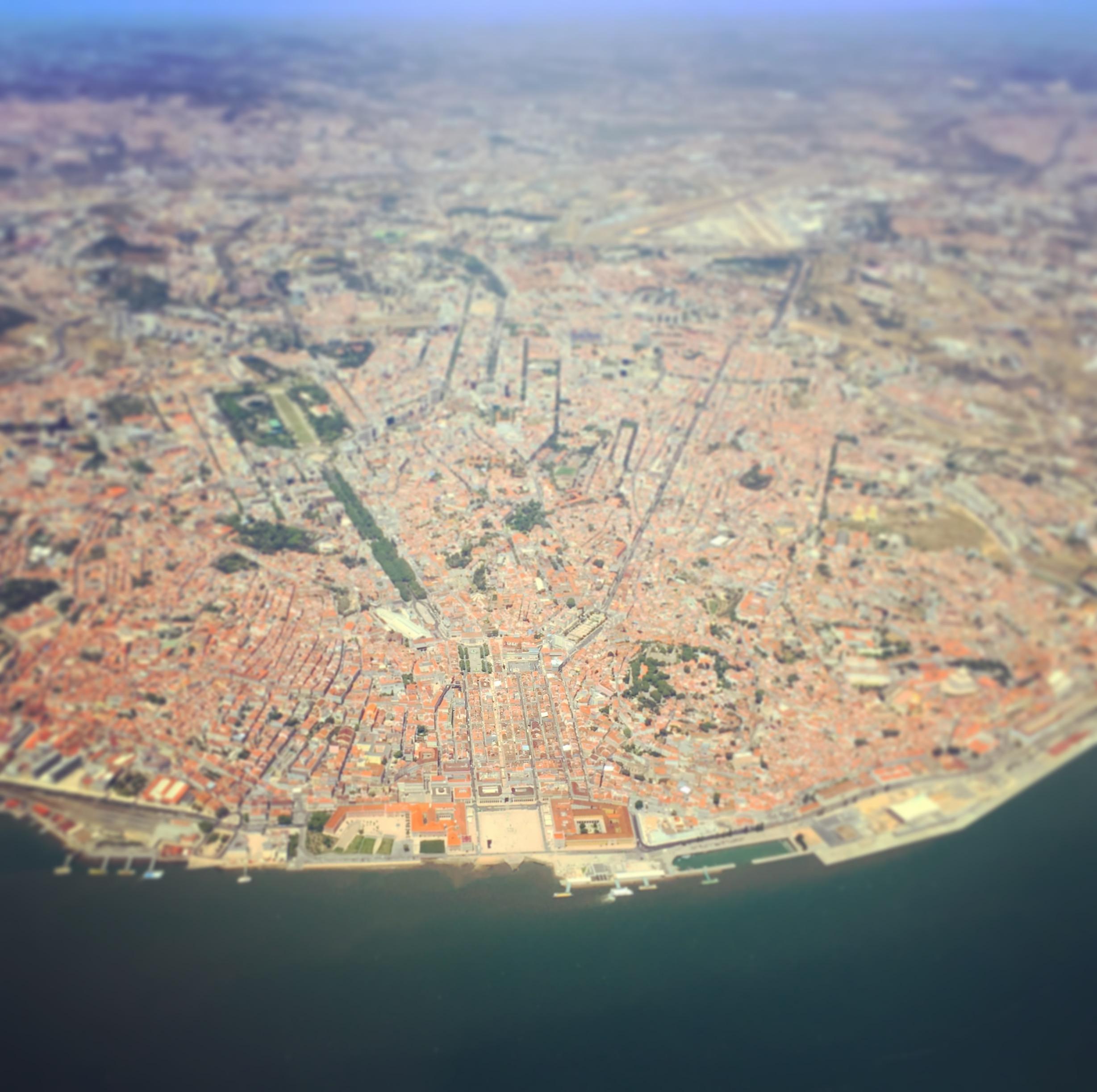 Lisbon from an airplane.JPG