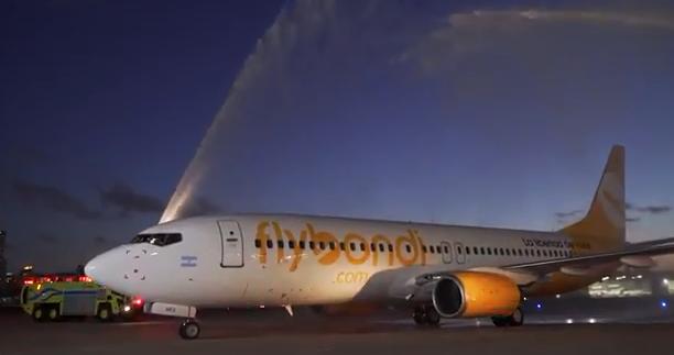 flybondi boeing 737-800.png