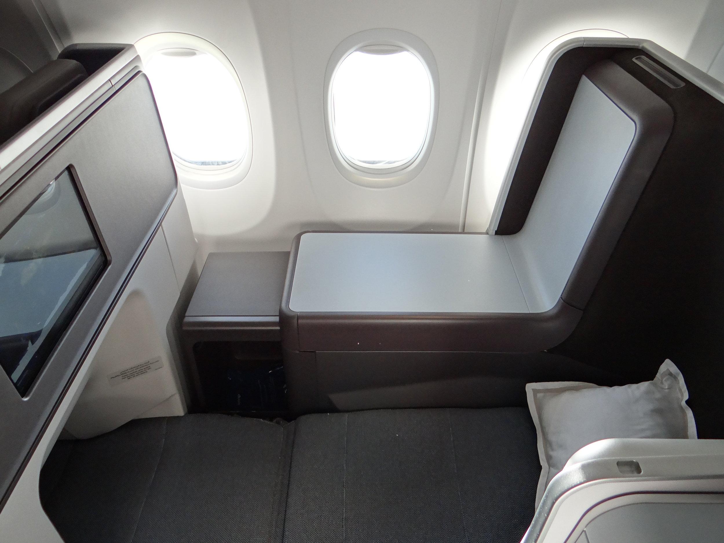 flydubai MAX business class flat bed.jpg