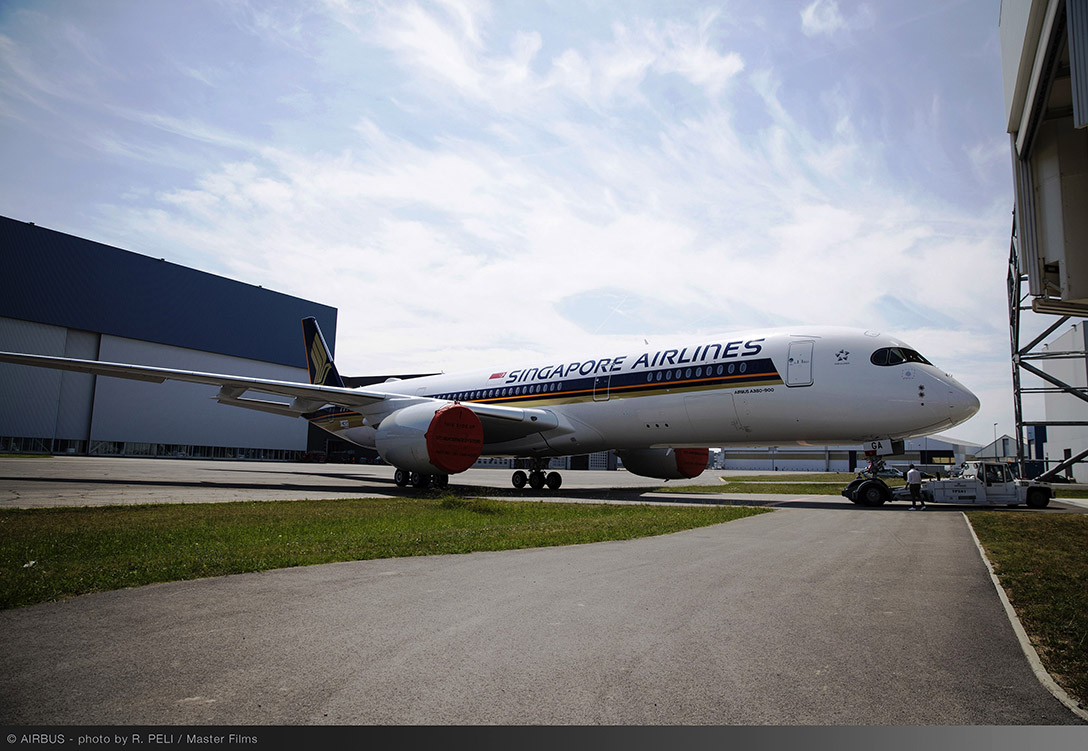 A350-XWB-Ultra-Long-Range-Singapore-Airlines-MSN220-rolls-out-of-paint-shop-005-.jpg